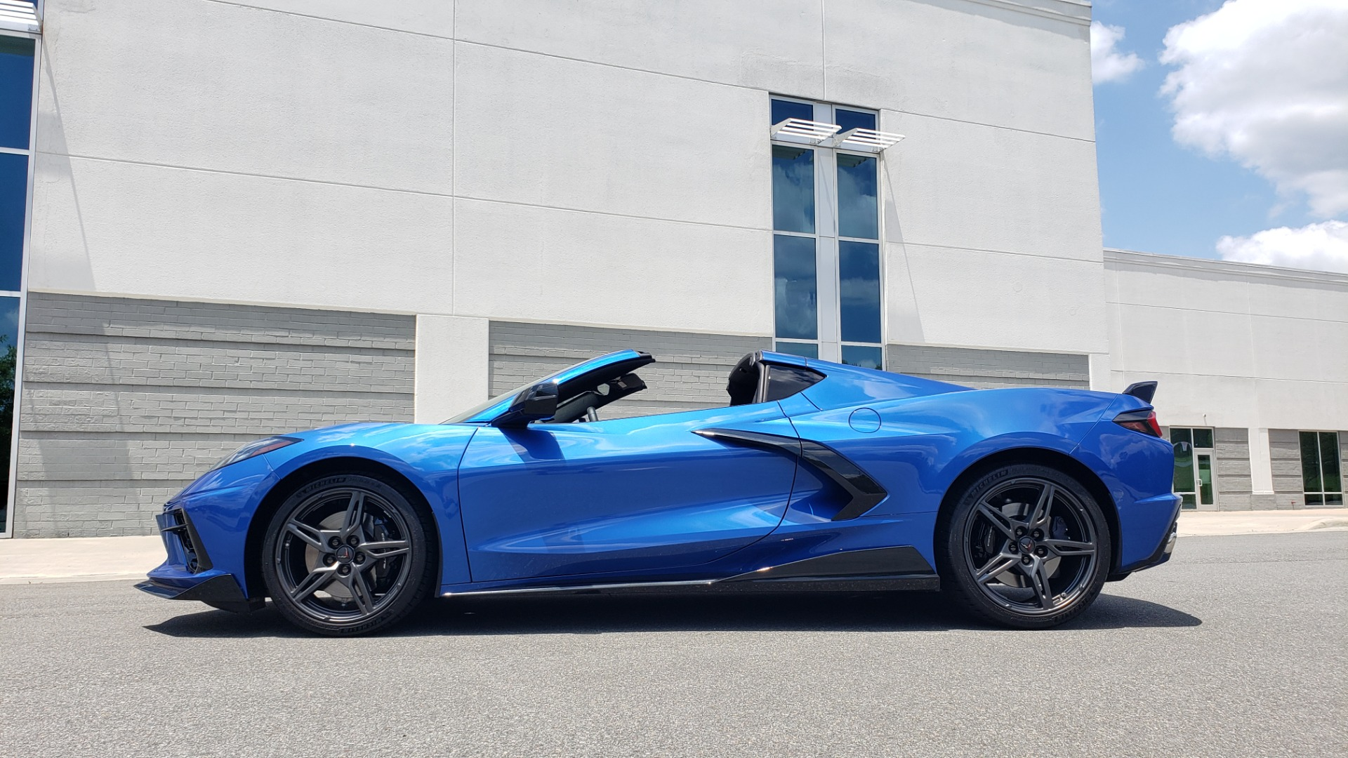 Used 2020 Chevrolet CORVETTE C8 STINGRAY COUPE 2LT / PERF & Z51 PKG / NAV / BOSE / 8-SPD AUTO / REARVIEW for sale Sold at Formula Imports in Charlotte NC 28227 13