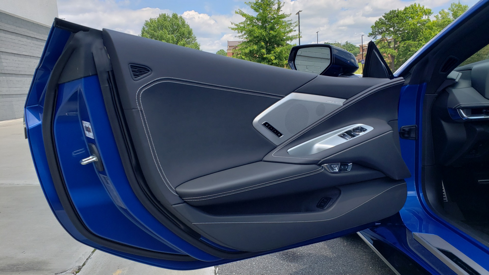 Used 2020 Chevrolet CORVETTE C8 STINGRAY COUPE 2LT / PERF & Z51 PKG / NAV / BOSE / 8-SPD AUTO / REARVIEW for sale Sold at Formula Imports in Charlotte NC 28227 31