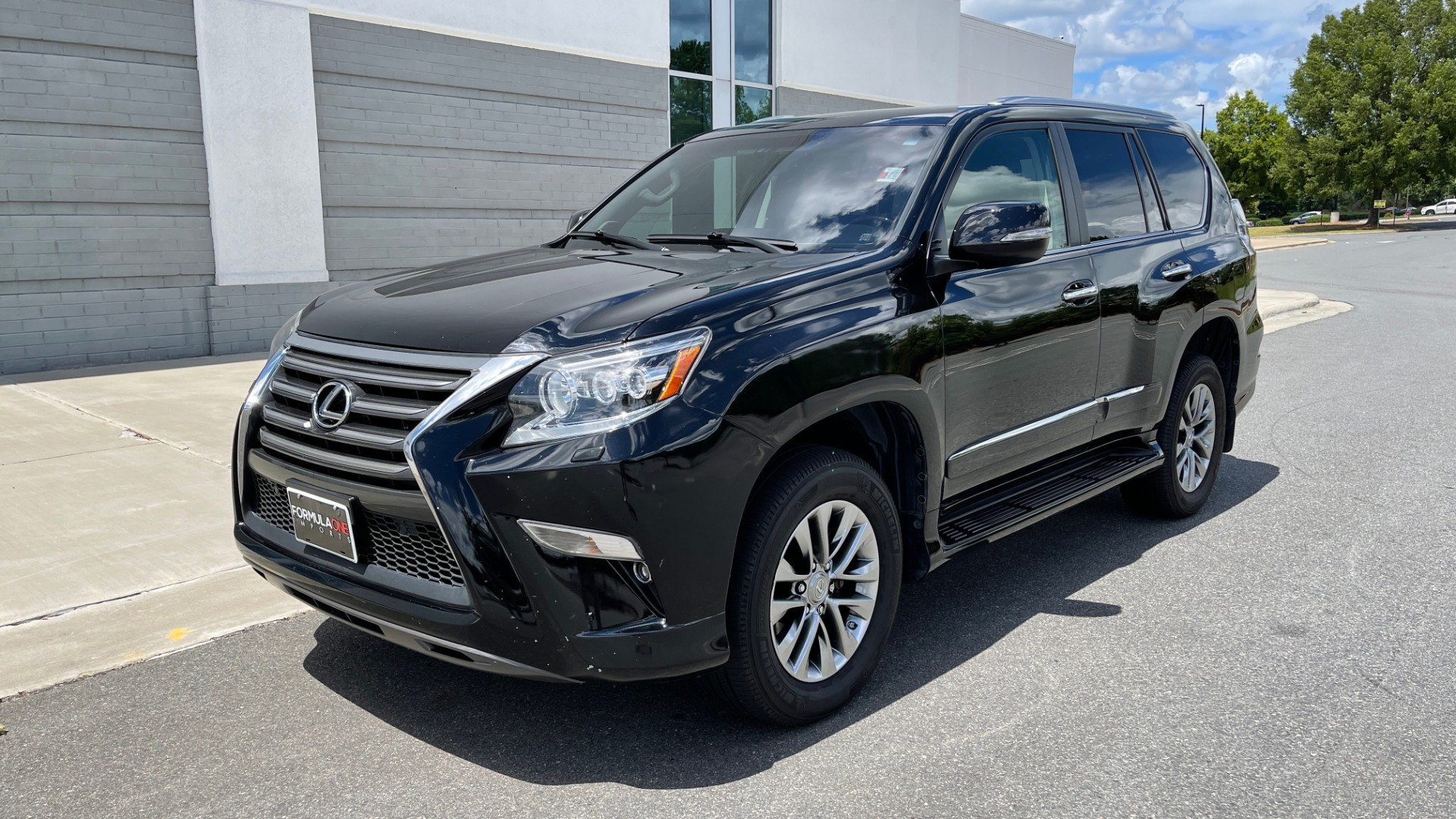 Used 2017 Lexus GX GX 460 LUXURY / AWD / NAV / SUNROOF / MARK LEV SND / REARVIEW for sale $37,995 at Formula Imports in Charlotte NC 28227 2