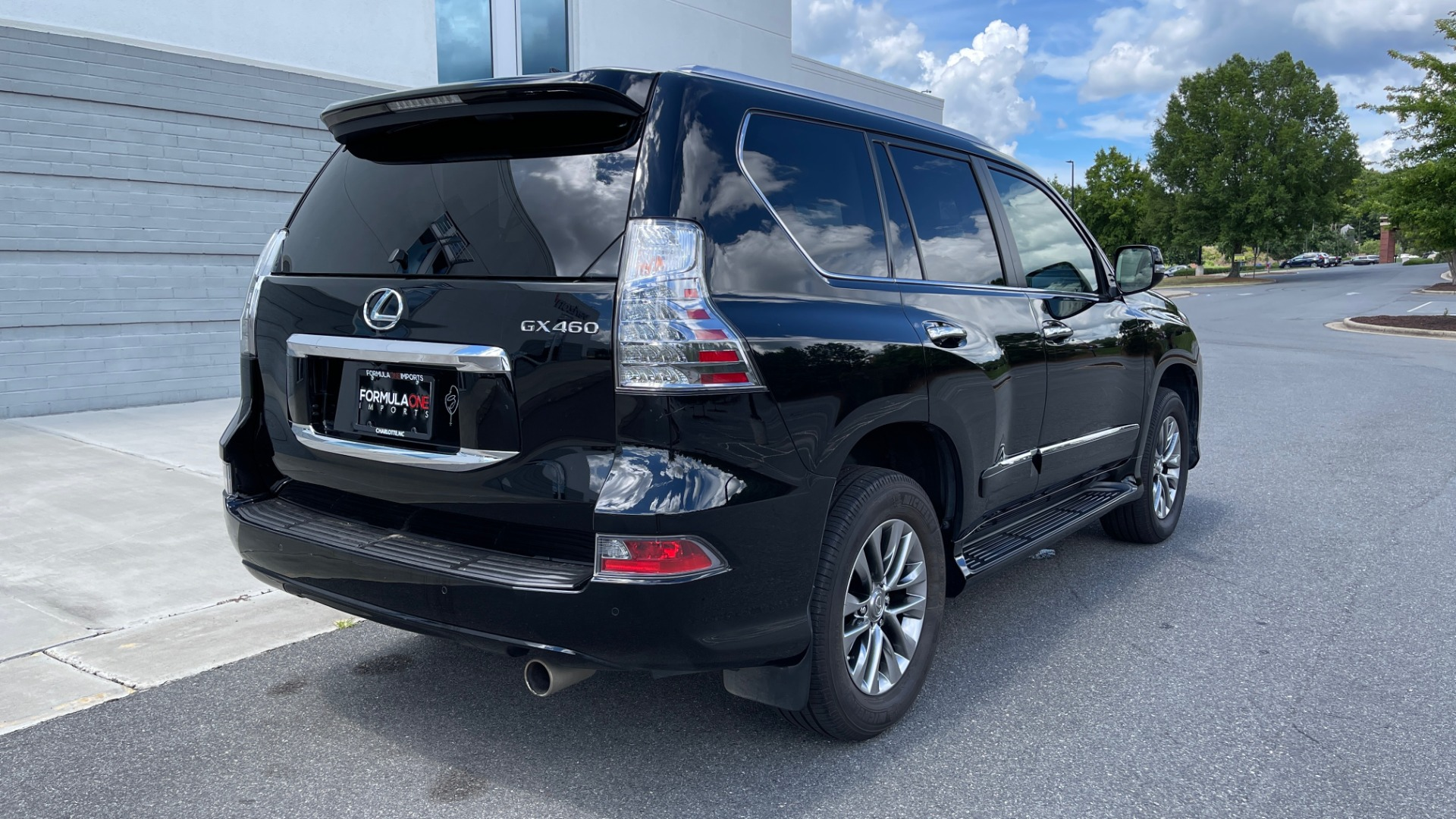 Used 2017 Lexus GX GX 460 LUXURY / AWD / NAV / SUNROOF / MARK LEV SND / REARVIEW for sale $37,995 at Formula Imports in Charlotte NC 28227 5