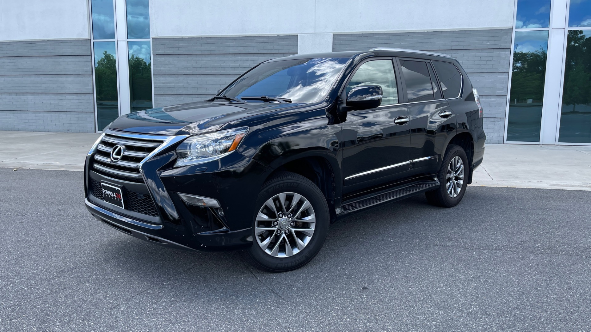 Used 2017 Lexus GX GX 460 LUXURY / AWD / NAV / SUNROOF / MARK LEV SND / REARVIEW for sale $37,995 at Formula Imports in Charlotte NC 28227 1