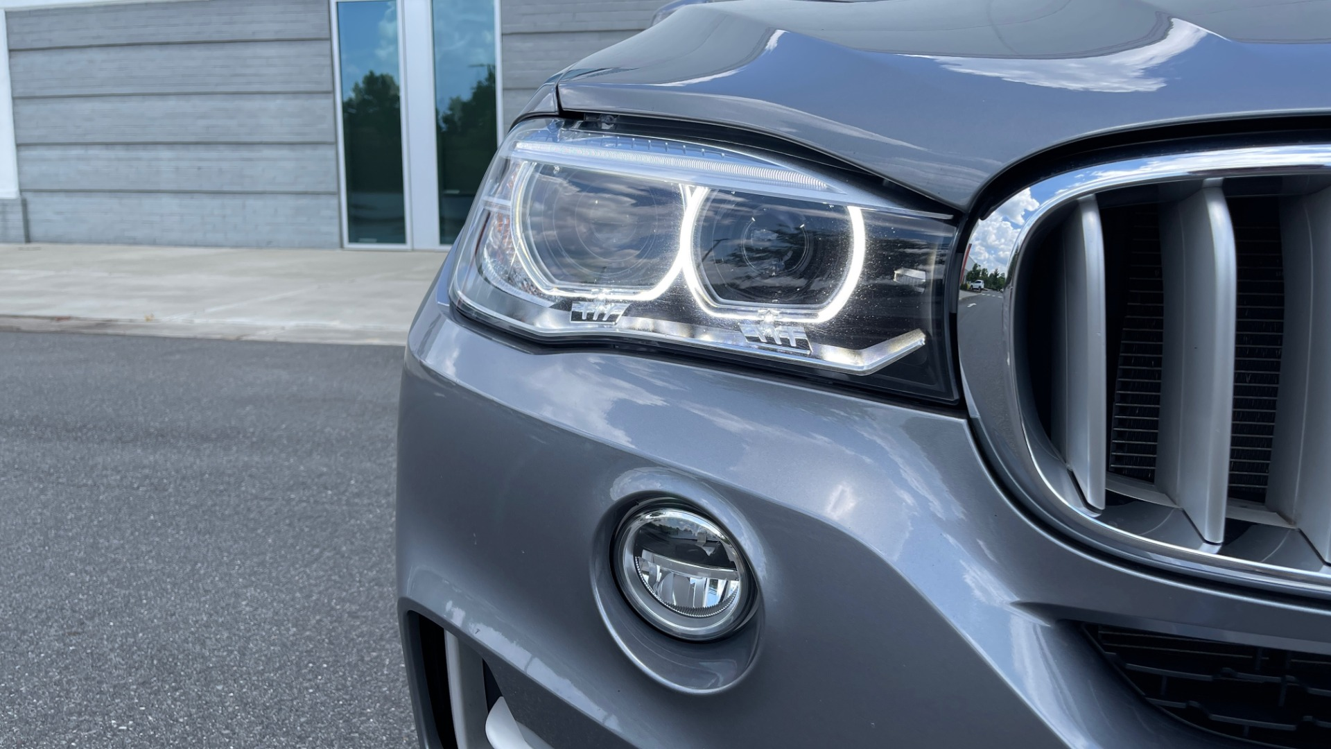 Used 2018 BMW X5 XDRIVE35I PREMIUM / DRVR ASST / WIRELESS CHARGING / CAMERAS for sale $46,995 at Formula Imports in Charlotte NC 28227 15