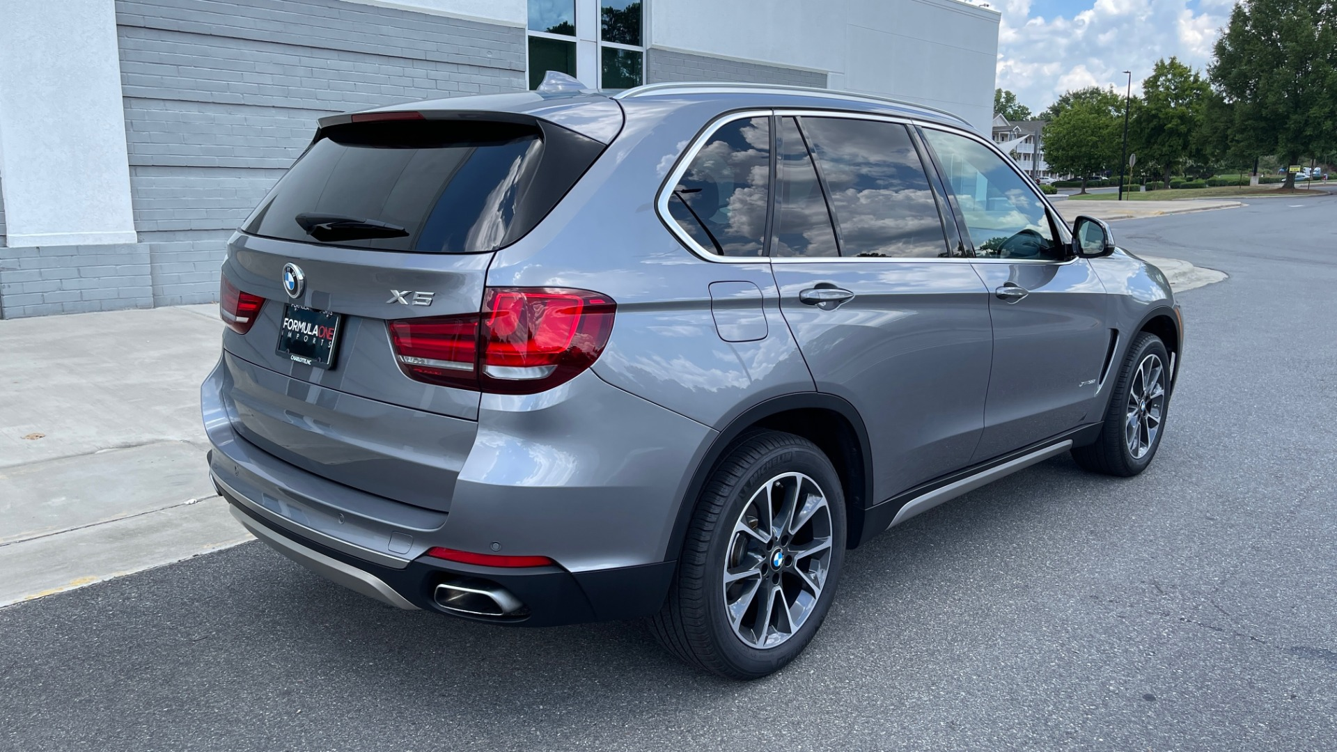 Used 2018 BMW X5 XDRIVE35I PREMIUM / DRVR ASST / WIRELESS CHARGING / CAMERAS for sale $46,995 at Formula Imports in Charlotte NC 28227 2