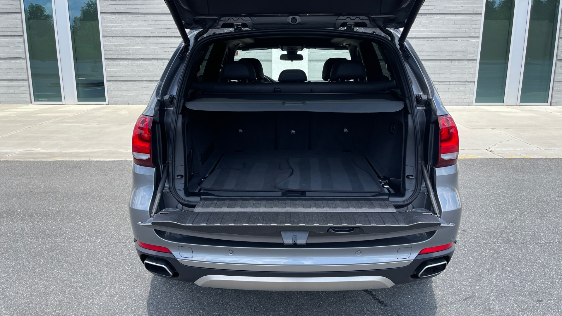 Used 2018 BMW X5 XDRIVE35I PREMIUM / DRVR ASST / WIRELESS CHARGING / CAMERAS for sale $46,995 at Formula Imports in Charlotte NC 28227 20