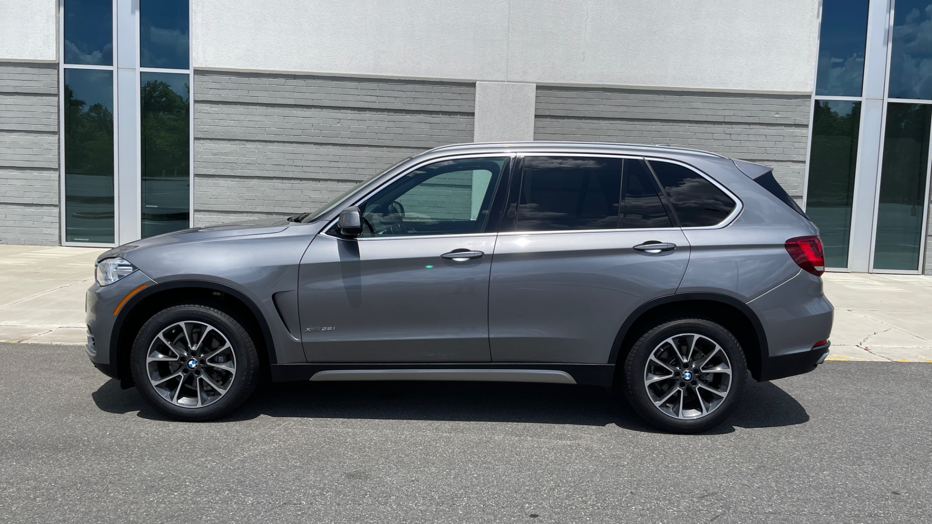 Used 2018 BMW X5 XDRIVE35I PREMIUM / DRVR ASST / WIRELESS CHARGING / CAMERAS for sale $46,995 at Formula Imports in Charlotte NC 28227 4