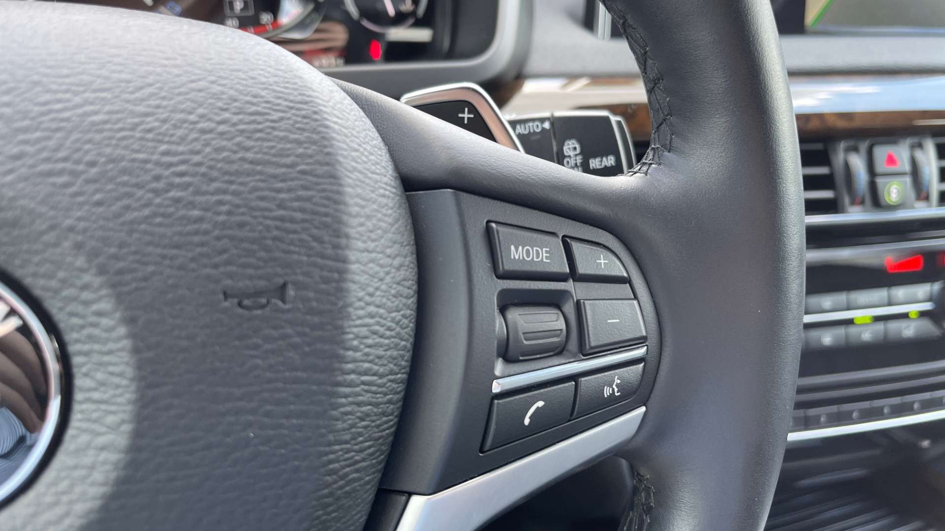 Used 2018 BMW X5 XDRIVE35I PREMIUM / DRVR ASST / WIRELESS CHARGING / CAMERAS for sale $46,995 at Formula Imports in Charlotte NC 28227 44