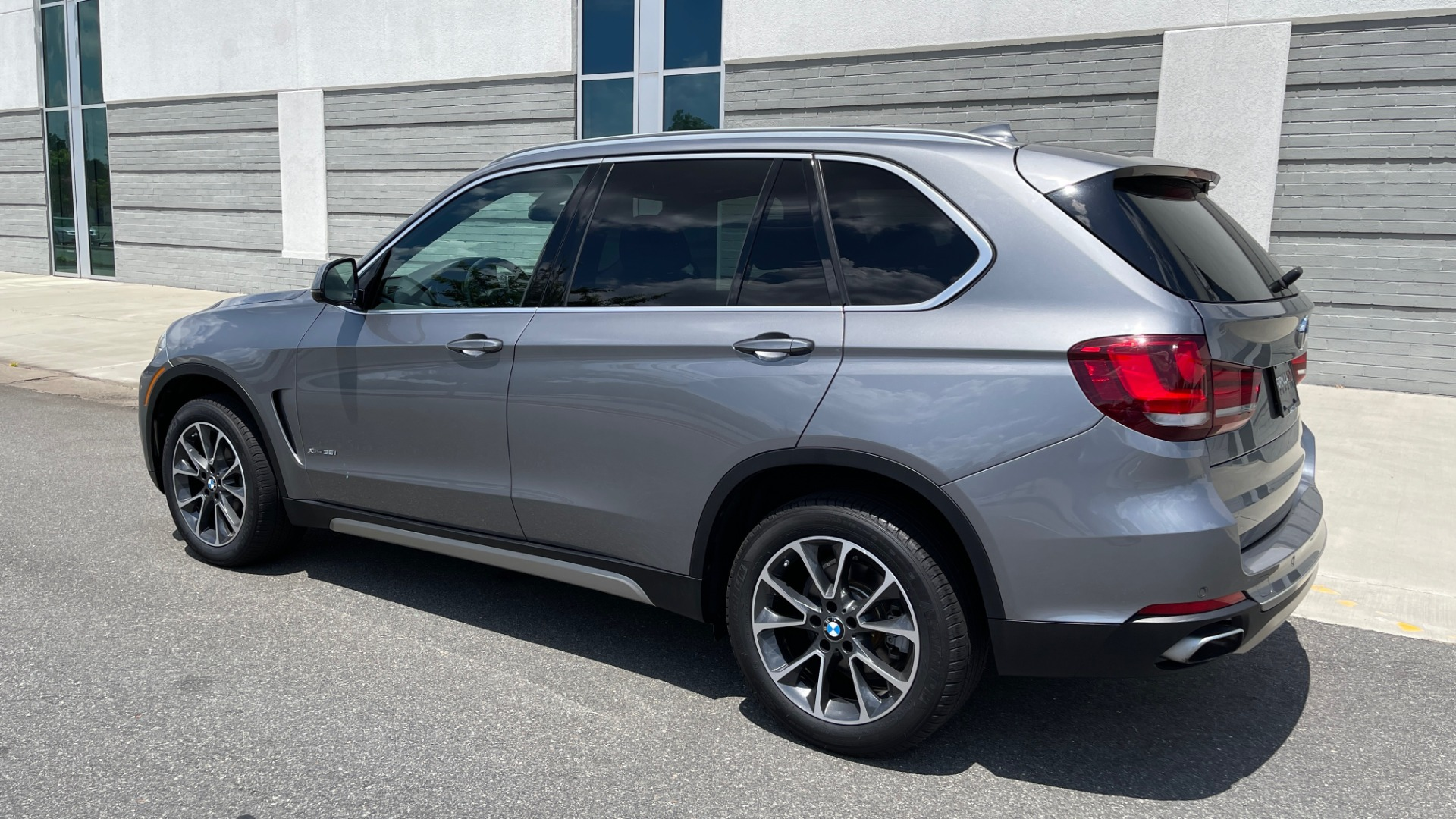 Used 2018 BMW X5 XDRIVE35I PREMIUM / DRVR ASST / WIRELESS CHARGING / CAMERAS for sale $46,995 at Formula Imports in Charlotte NC 28227 5