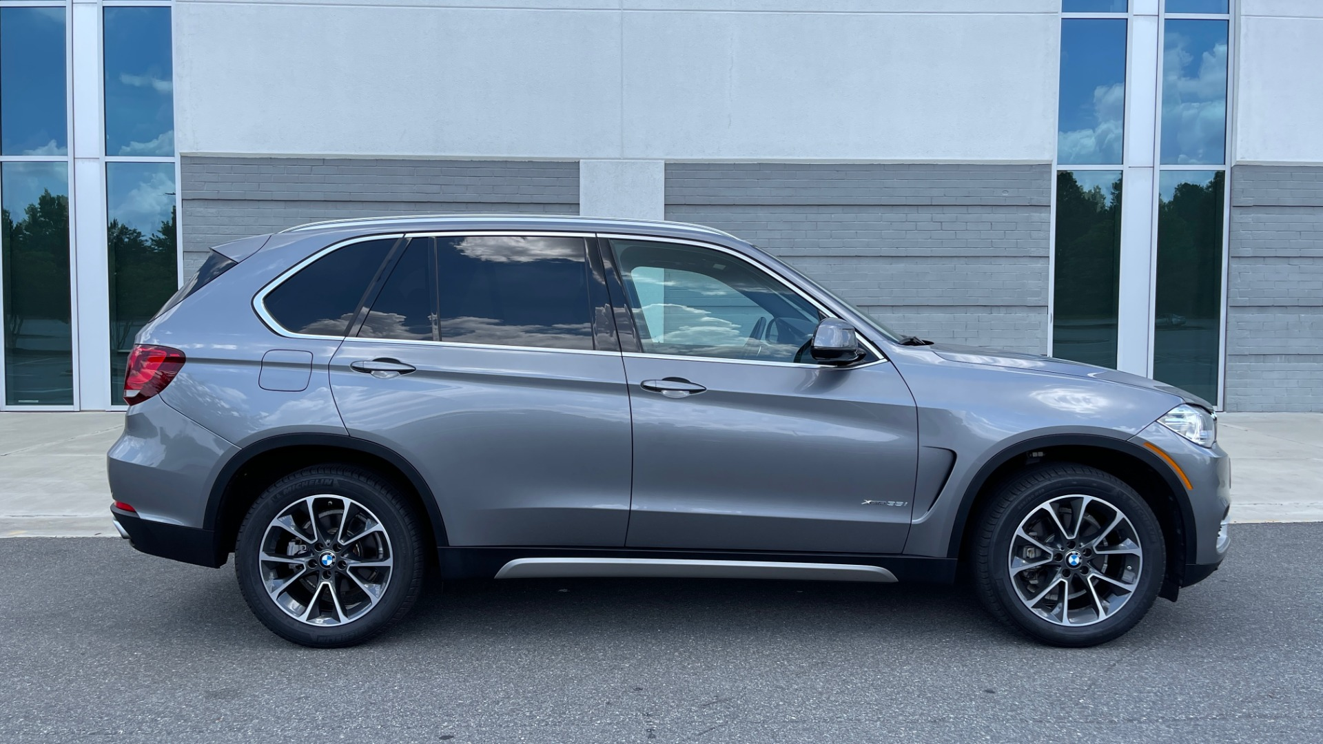 Used 2018 BMW X5 XDRIVE35I PREMIUM / DRVR ASST / WIRELESS CHARGING / CAMERAS for sale $46,995 at Formula Imports in Charlotte NC 28227 7