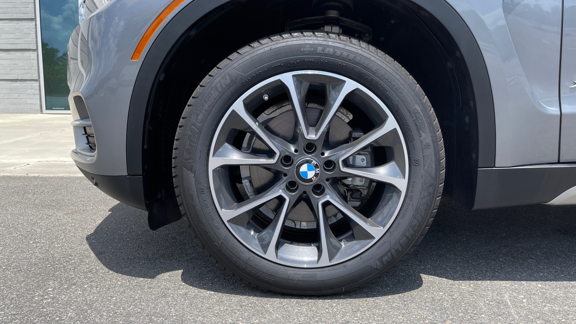 Used 2018 BMW X5 XDRIVE35I PREMIUM / DRVR ASST / WIRELESS CHARGING / CAMERAS for sale $46,995 at Formula Imports in Charlotte NC 28227 82