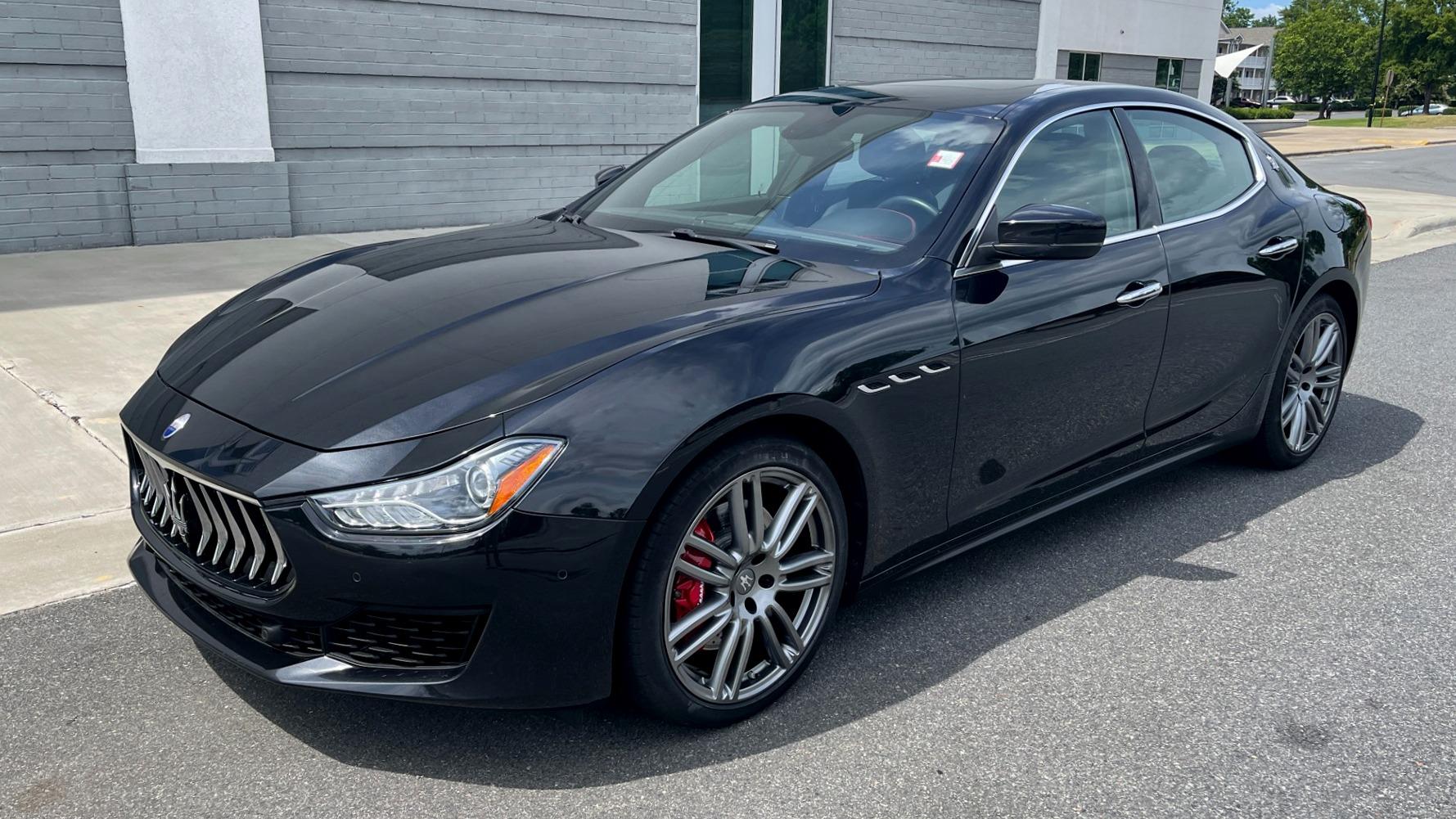 Used 2018 Maserati GHIBLI S Q4 SEDAN / AWD / 3.0L V6 / SUNROOF / NAV / REARVIEW for sale $51,995 at Formula Imports in Charlotte NC 28227 2