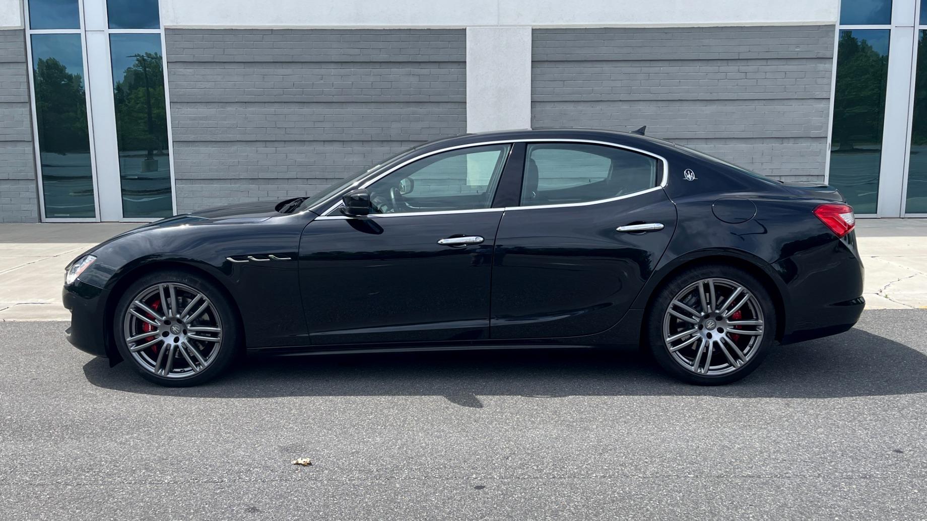 Used 2018 Maserati GHIBLI S Q4 SEDAN / AWD / 3.0L V6 / SUNROOF / NAV / REARVIEW for sale $51,995 at Formula Imports in Charlotte NC 28227 3