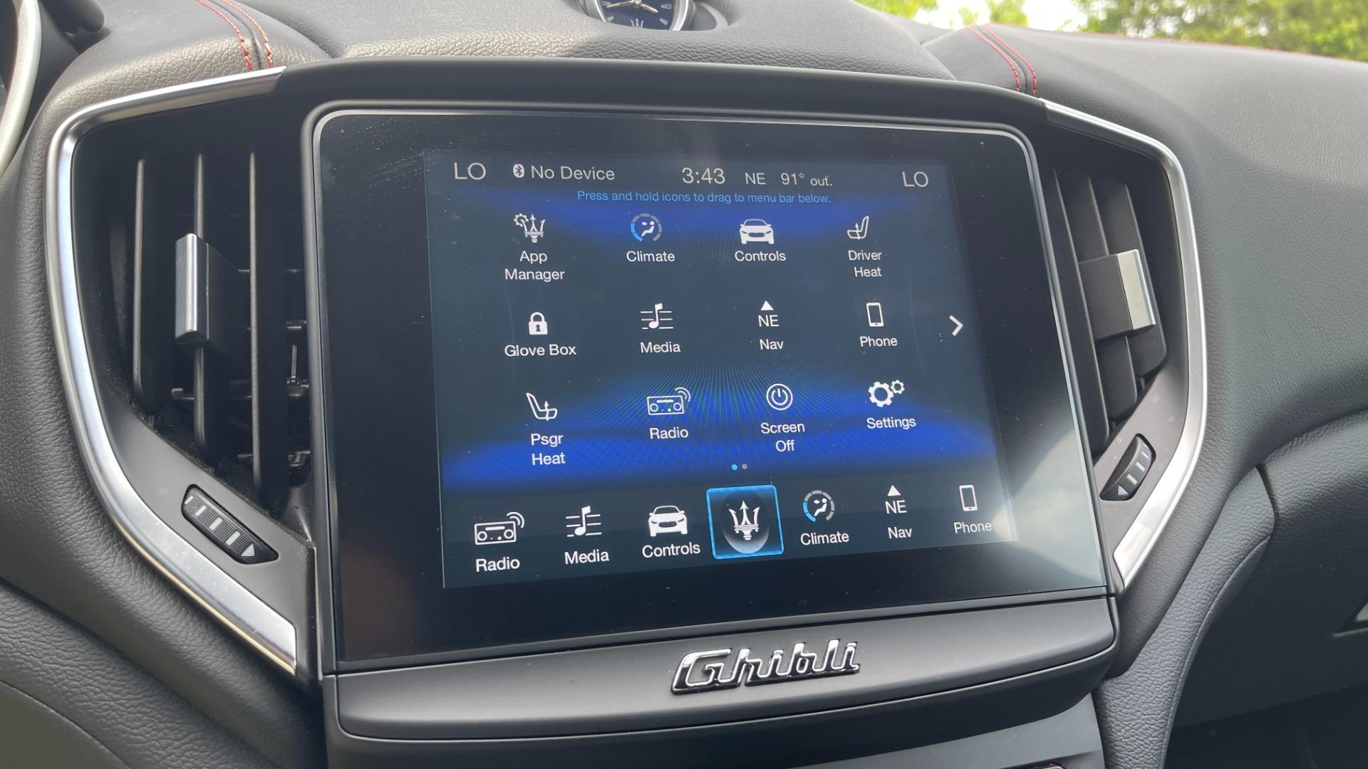 Used 2018 Maserati GHIBLI S Q4 SEDAN / AWD / 3.0L V6 / SUNROOF / NAV / REARVIEW for sale $51,995 at Formula Imports in Charlotte NC 28227 38