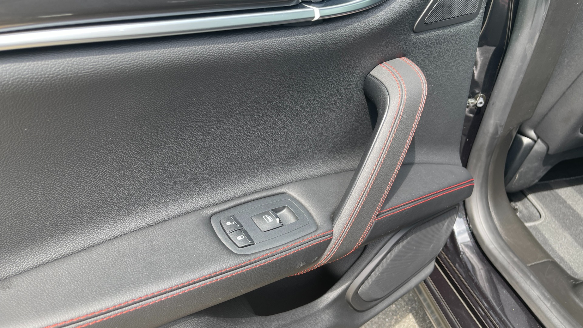 Used 2018 Maserati GHIBLI S Q4 SEDAN / AWD / 3.0L V6 / SUNROOF / NAV / REARVIEW for sale $51,995 at Formula Imports in Charlotte NC 28227 47