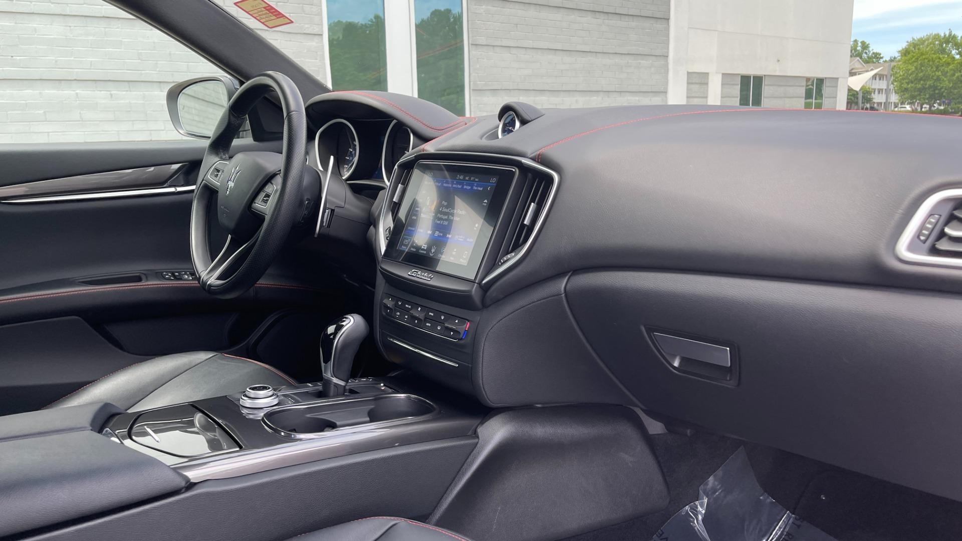 Used 2018 Maserati GHIBLI S Q4 SEDAN / AWD / 3.0L V6 / SUNROOF / NAV / REARVIEW for sale $51,995 at Formula Imports in Charlotte NC 28227 64