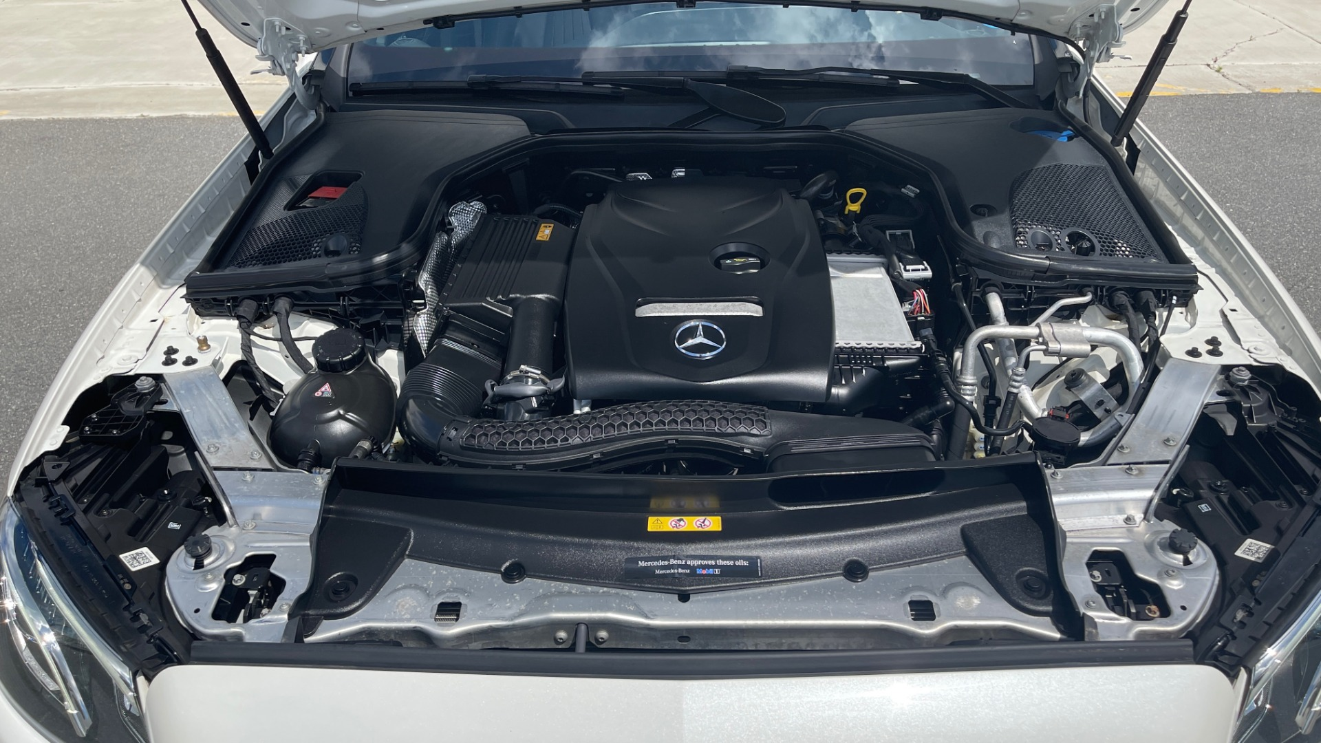 Used 2018 Mercedes-Benz E-CLASS E 300 PREMIUM / NIGHT PKG / PANO-ROOF / BURMESTER / REARVIEW for sale $42,399 at Formula Imports in Charlotte NC 28227 10