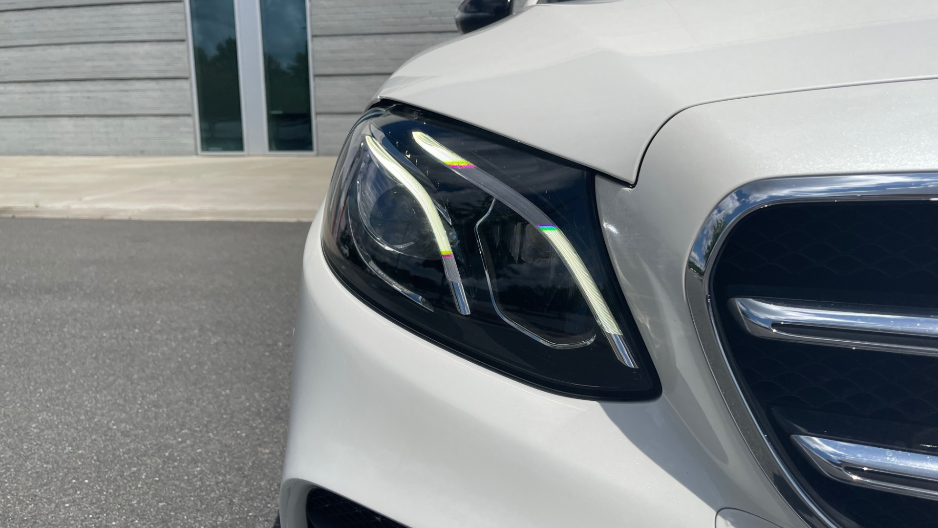 Used 2018 Mercedes-Benz E-CLASS E 300 PREMIUM / NIGHT PKG / PANO-ROOF / BURMESTER / REARVIEW for sale $42,399 at Formula Imports in Charlotte NC 28227 14
