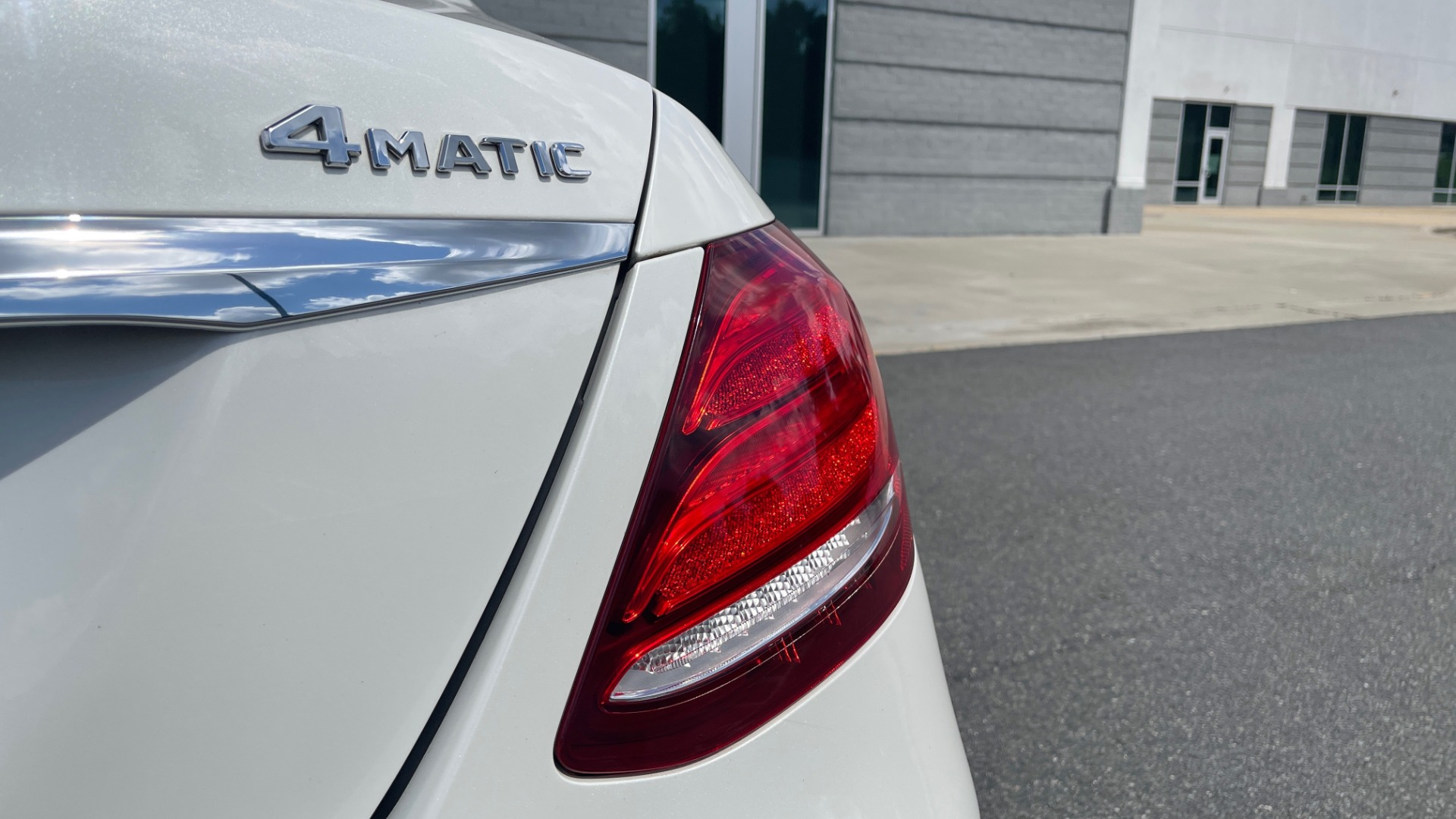 Used 2018 Mercedes-Benz E-CLASS E 300 PREMIUM / NIGHT PKG / PANO-ROOF / BURMESTER / REARVIEW for sale $42,399 at Formula Imports in Charlotte NC 28227 30