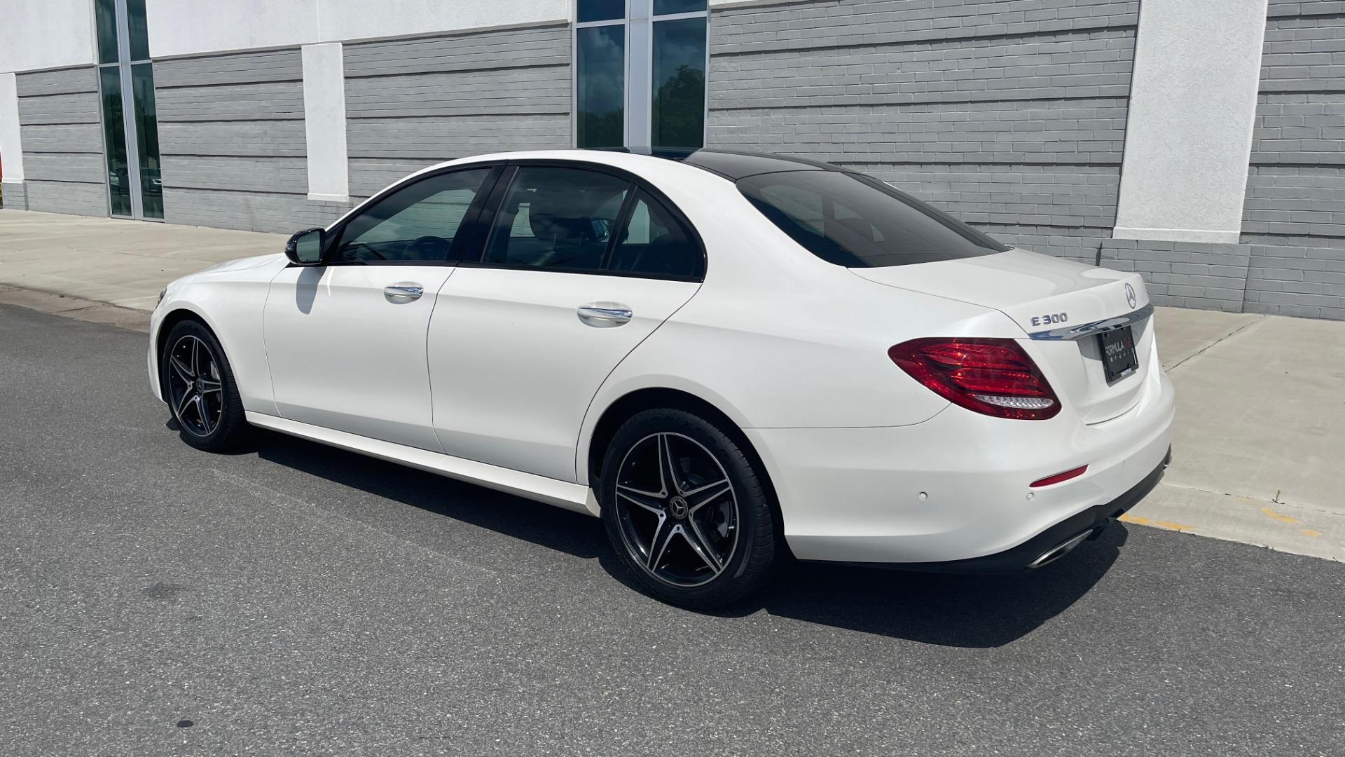 Used 2018 Mercedes-Benz E-CLASS E 300 PREMIUM / NIGHT PKG / PANO-ROOF / BURMESTER / REARVIEW for sale $42,399 at Formula Imports in Charlotte NC 28227 5