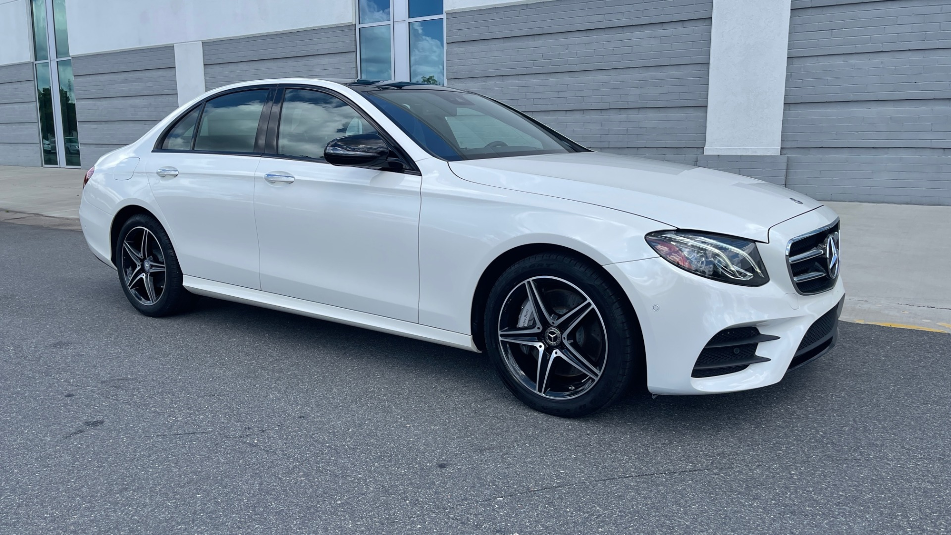 Used 2018 Mercedes-Benz E-CLASS E 300 PREMIUM / NIGHT PKG / PANO-ROOF / BURMESTER / REARVIEW for sale $42,399 at Formula Imports in Charlotte NC 28227 6