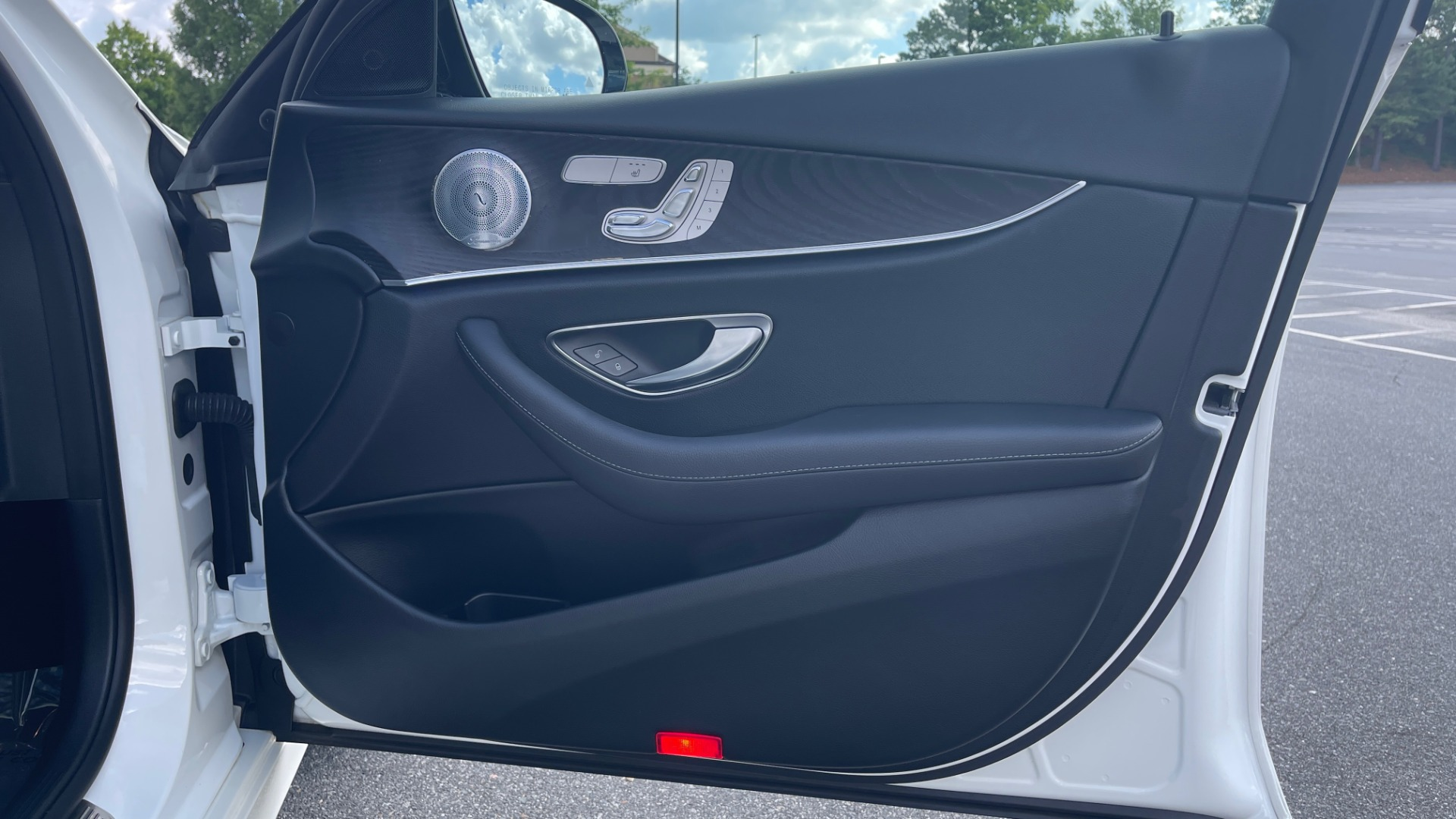 Used 2018 Mercedes-Benz E-CLASS E 300 PREMIUM / NIGHT PKG / PANO-ROOF / BURMESTER / REARVIEW for sale $42,399 at Formula Imports in Charlotte NC 28227 68