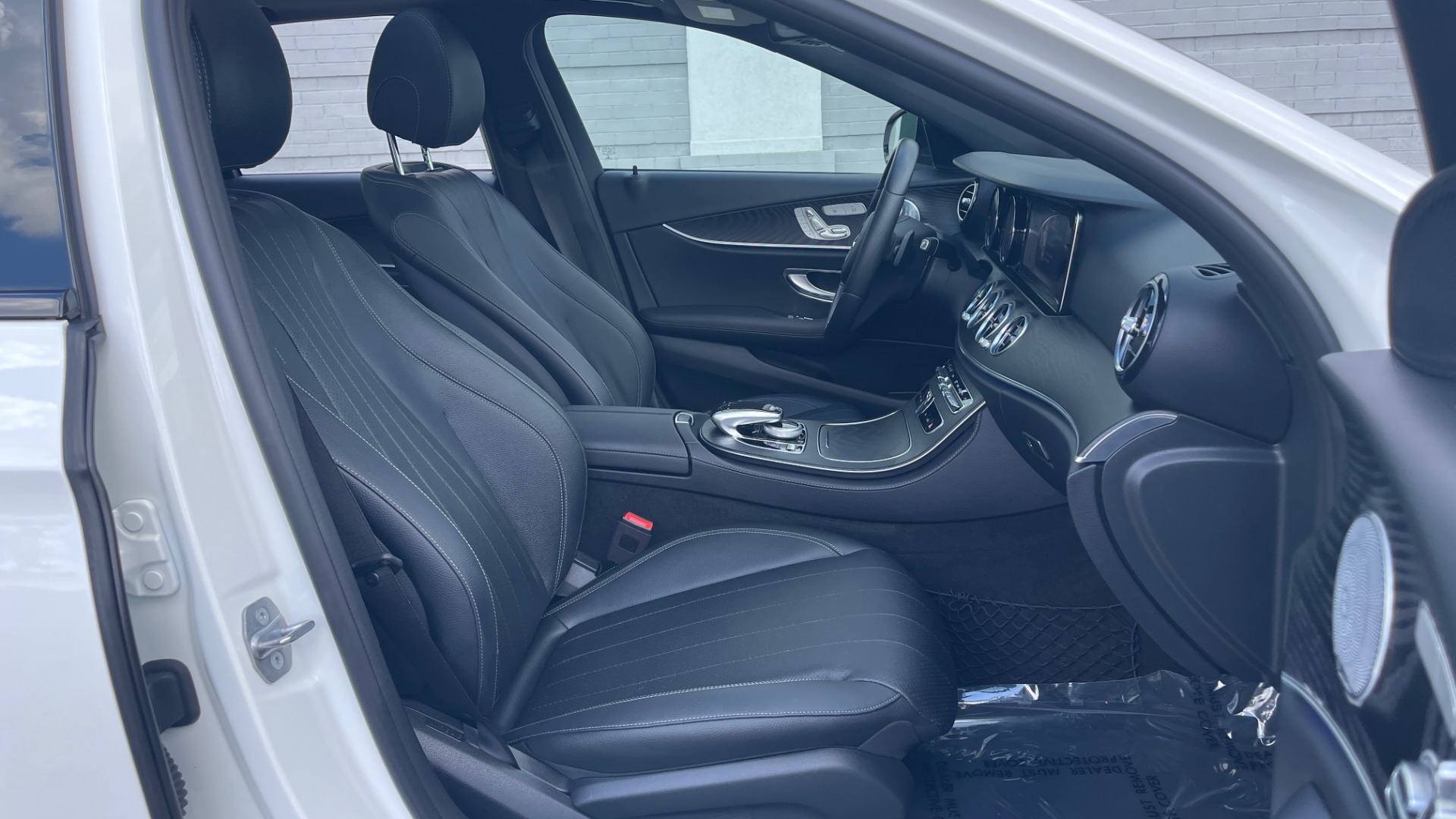 Used 2018 Mercedes-Benz E-CLASS E 300 PREMIUM / NIGHT PKG / PANO-ROOF / BURMESTER / REARVIEW for sale $42,399 at Formula Imports in Charlotte NC 28227 71