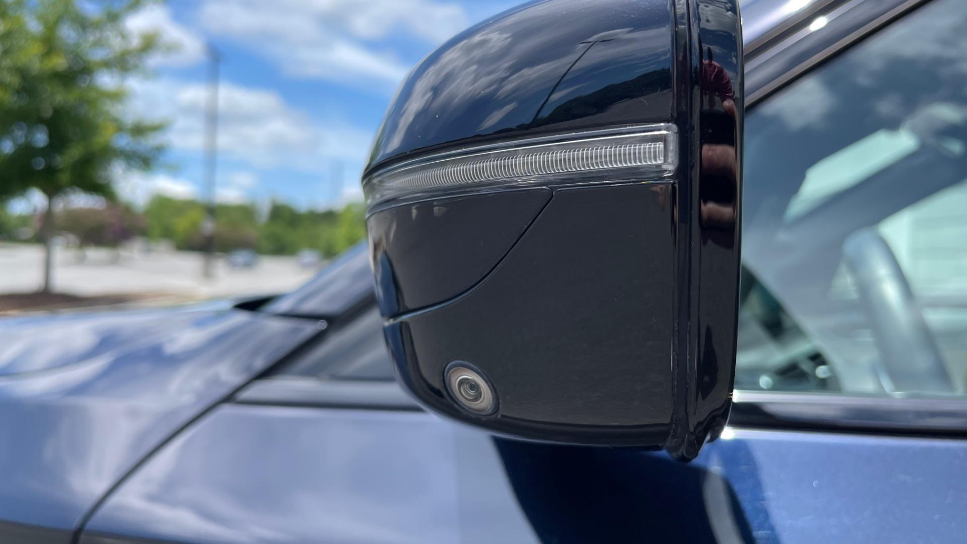 Used 2018 BMW 5 SERIES 540I M-SPORT / EXECUTIVE PKG / DRVR ASST PKG / BLIND SPOT / LANE DEPART for sale $40,995 at Formula Imports in Charlotte NC 28227 10