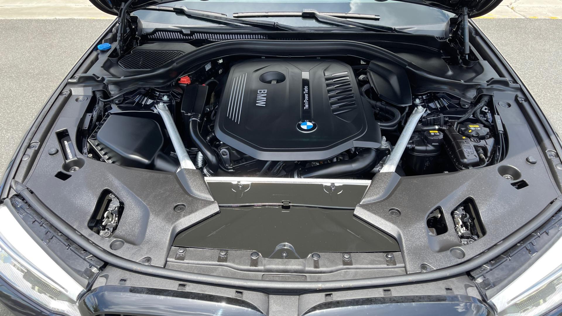 Used 2018 BMW 5 SERIES 540I M-SPORT / EXECUTIVE PKG / DRVR ASST PKG / BLIND SPOT / LANE DEPART for sale $40,995 at Formula Imports in Charlotte NC 28227 11