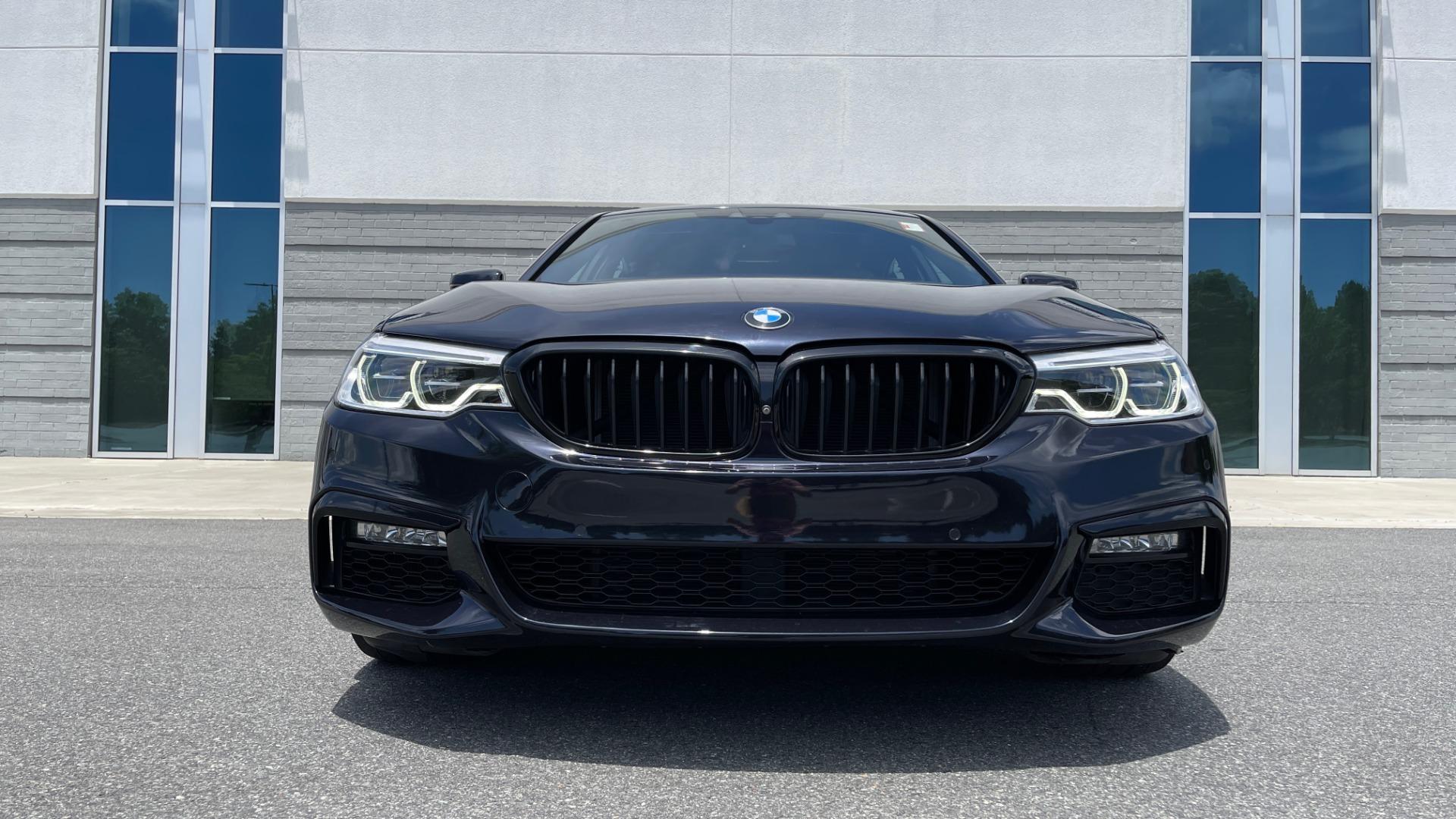 Used 2018 BMW 5 SERIES 540I M-SPORT / EXECUTIVE PKG / DRVR ASST PKG / BLIND SPOT / LANE DEPART for sale $40,995 at Formula Imports in Charlotte NC 28227 14