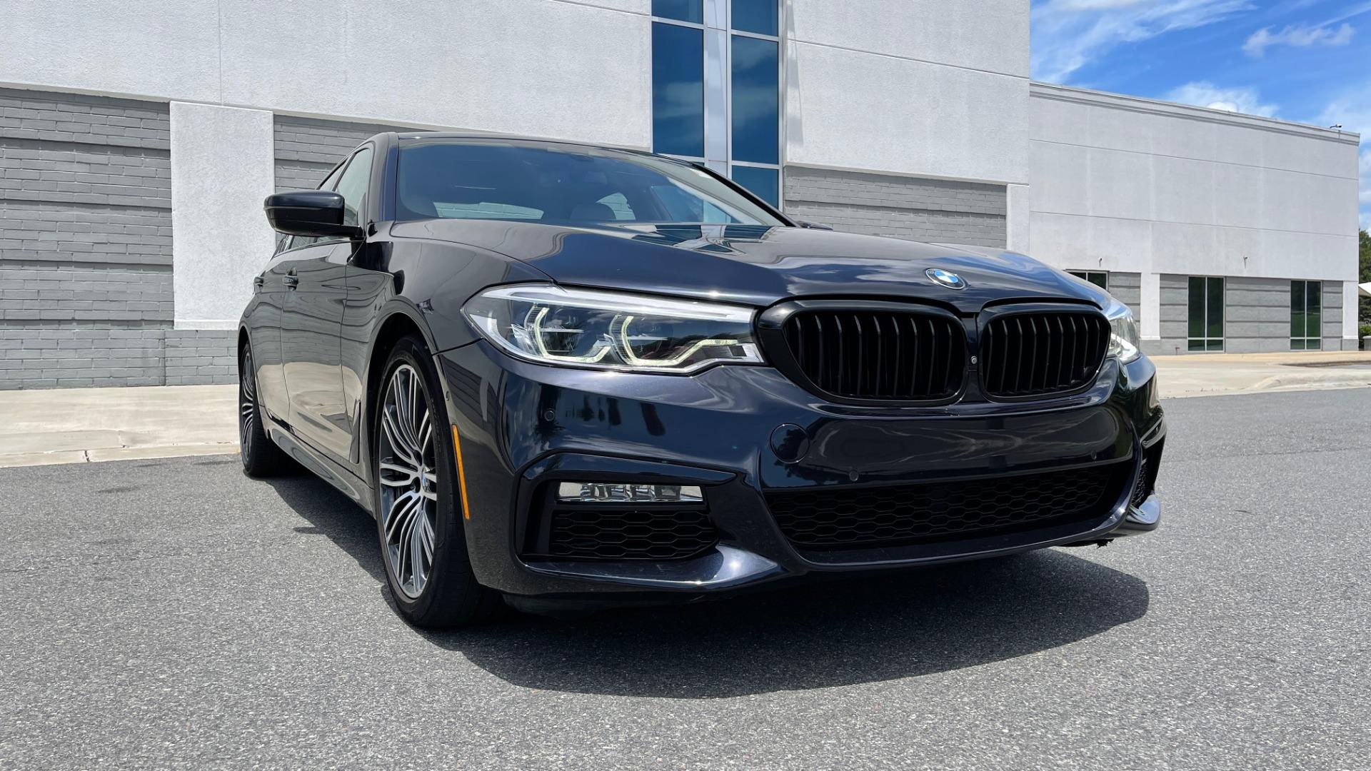 Used 2018 BMW 5 SERIES 540I M-SPORT / EXECUTIVE PKG / DRVR ASST PKG / BLIND SPOT / LANE DEPART for sale $40,995 at Formula Imports in Charlotte NC 28227 18