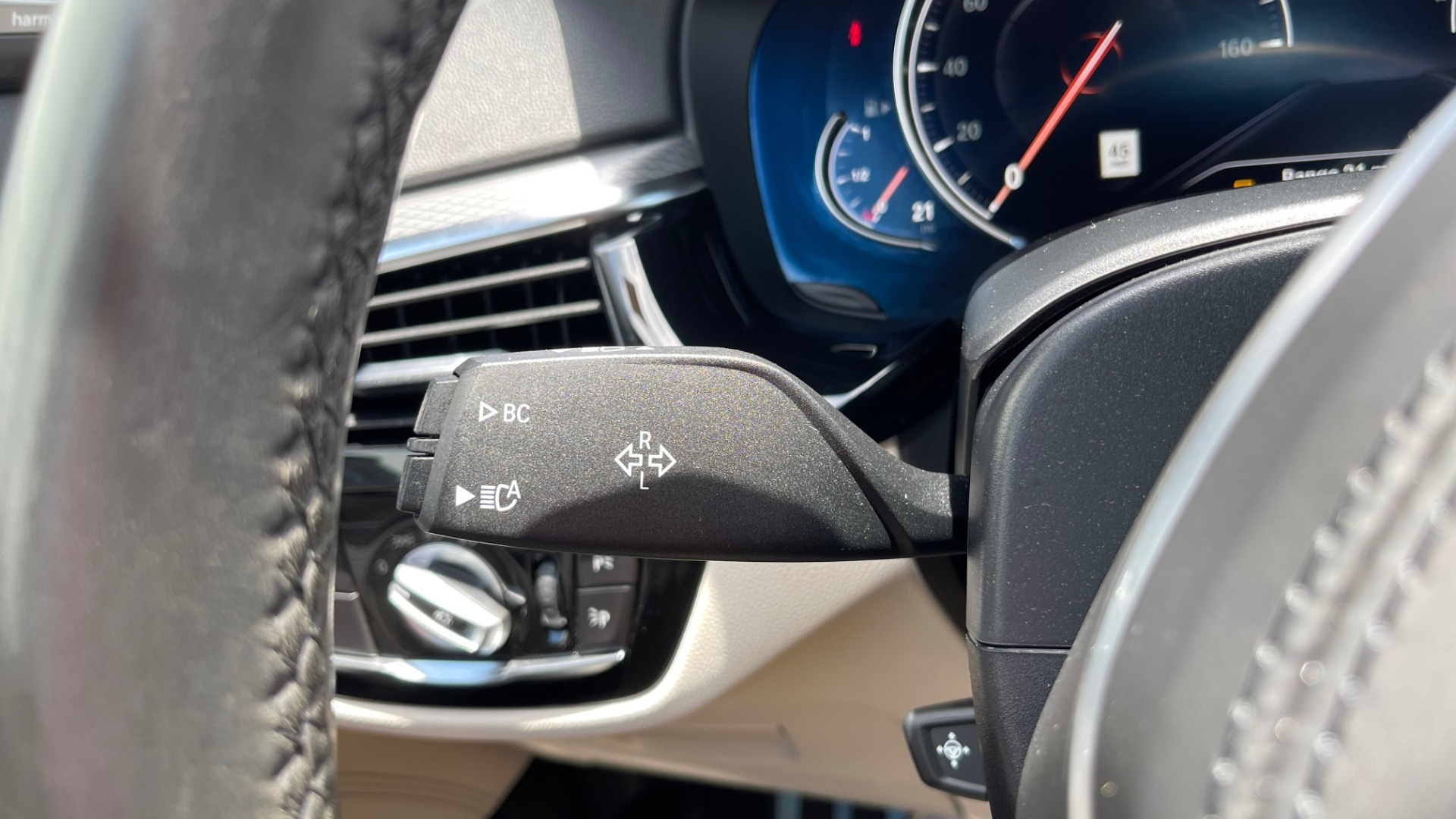 Used 2018 BMW 5 SERIES 540I M-SPORT / EXECUTIVE PKG / DRVR ASST PKG / BLIND SPOT / LANE DEPART for sale $40,995 at Formula Imports in Charlotte NC 28227 43