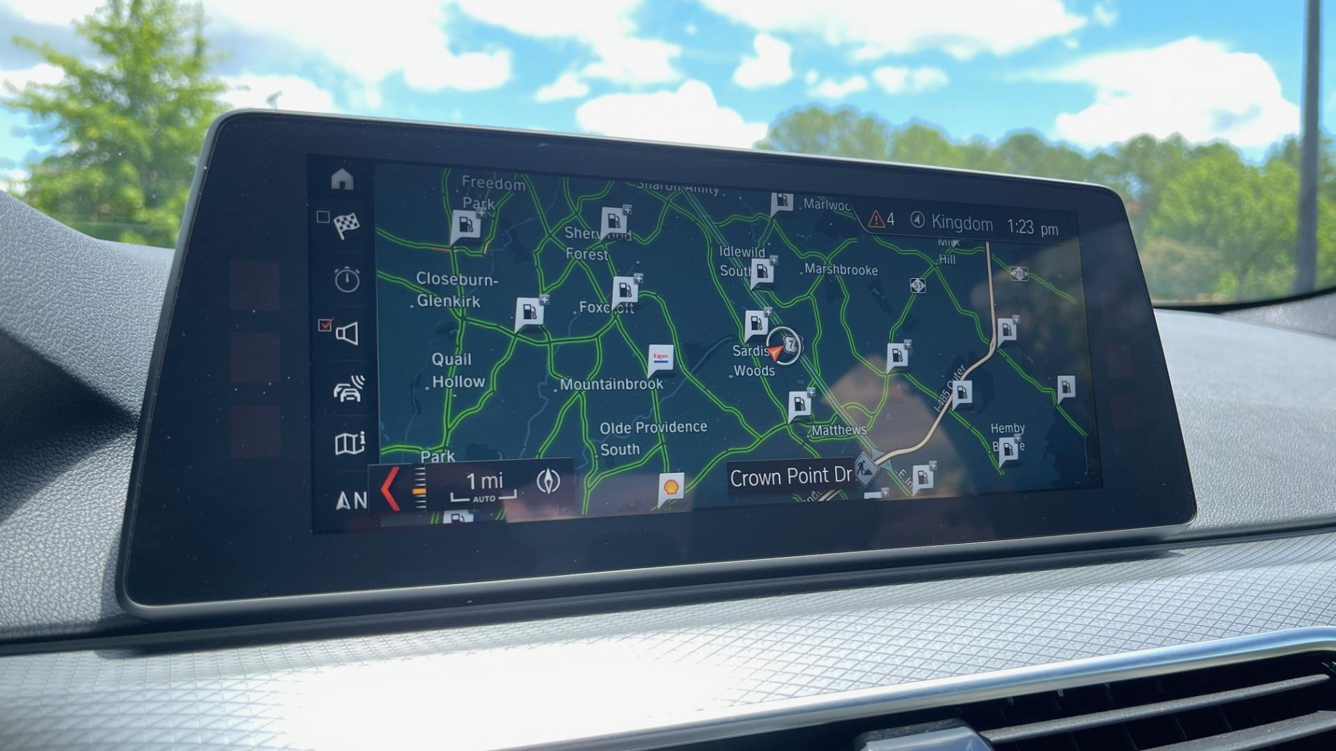 Used 2018 BMW 5 SERIES 540I M-SPORT / EXECUTIVE PKG / DRVR ASST PKG / BLIND SPOT / LANE DEPART for sale $40,995 at Formula Imports in Charlotte NC 28227 51