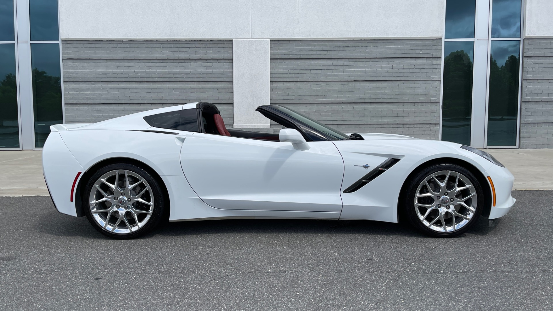 Used 2016 Chevrolet CORVETTE C7 STINGRAY COUPE Z51 3LT / NAV / PERF TRACTION MGMT / REARVIEW for sale Sold at Formula Imports in Charlotte NC 28227 9