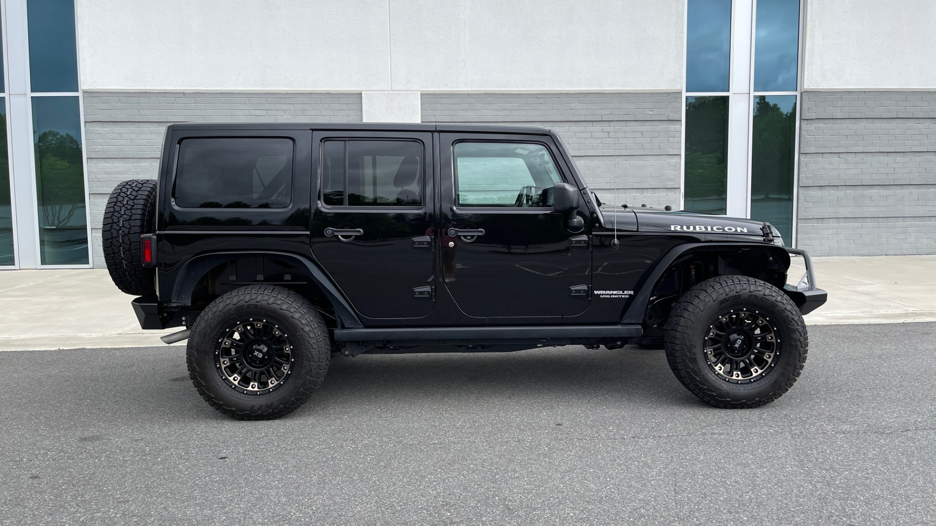 Used 2017 Jeep WRANGLER UNLIMITED RUBICON 4X4 / TOW PKG / HTD STS / ALPINE SOUND for sale Sold at Formula Imports in Charlotte NC 28227 6