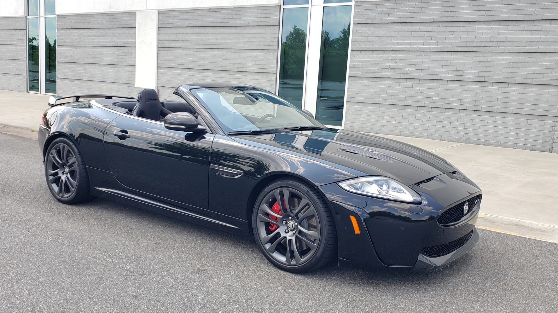 Used 2013 Jaguar XK R-S CONVERTIBLE / SC 5.0L V8 (550HP) / ZF 6-SPD AUTO / NAV / REARVIEW for sale $74,995 at Formula Imports in Charlotte NC 28227 10