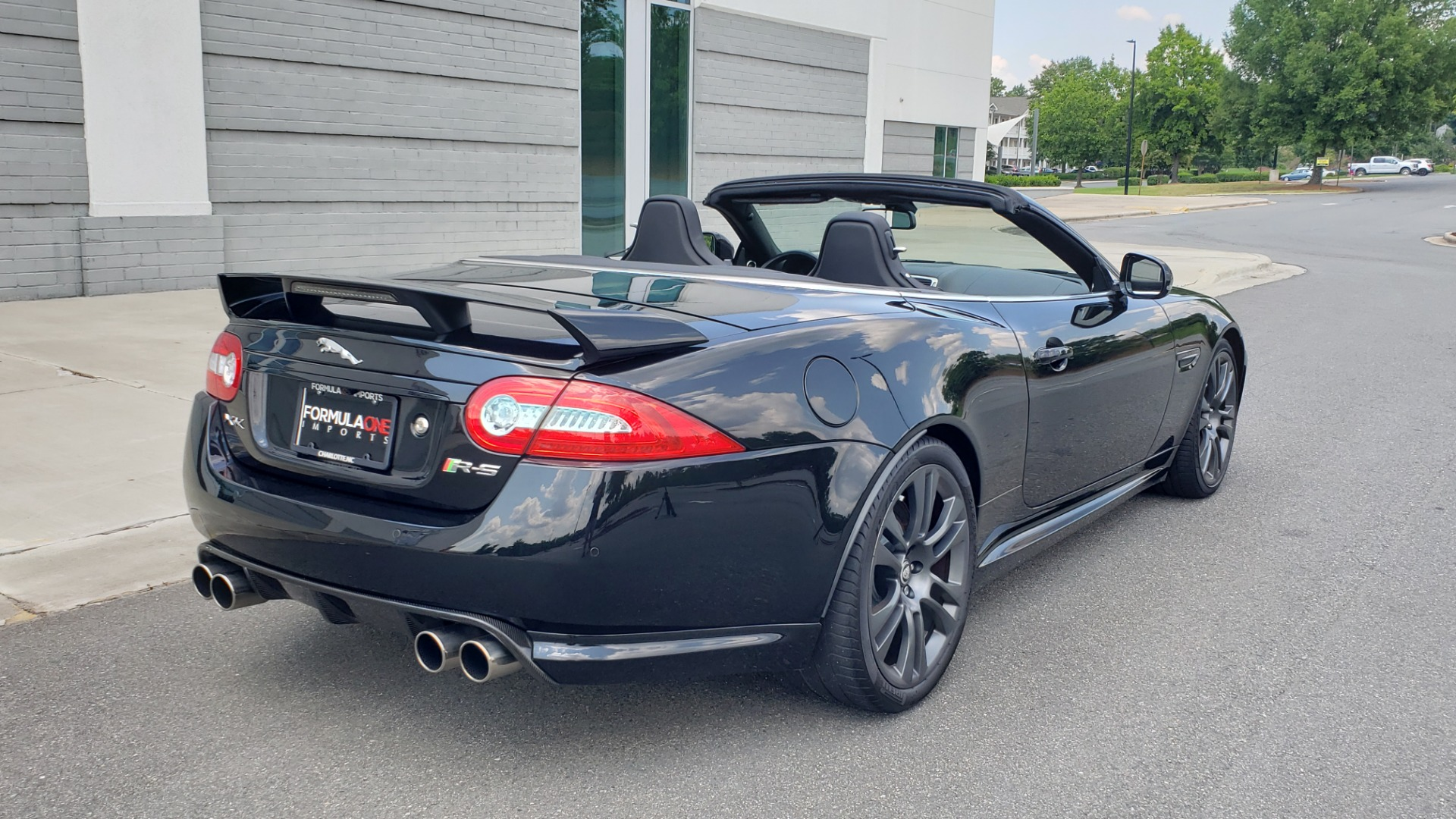 Used 2013 Jaguar XK R-S CONVERTIBLE / SC 5.0L V8 (550HP) / ZF 6-SPD AUTO / NAV / REARVIEW for sale $74,995 at Formula Imports in Charlotte NC 28227 11