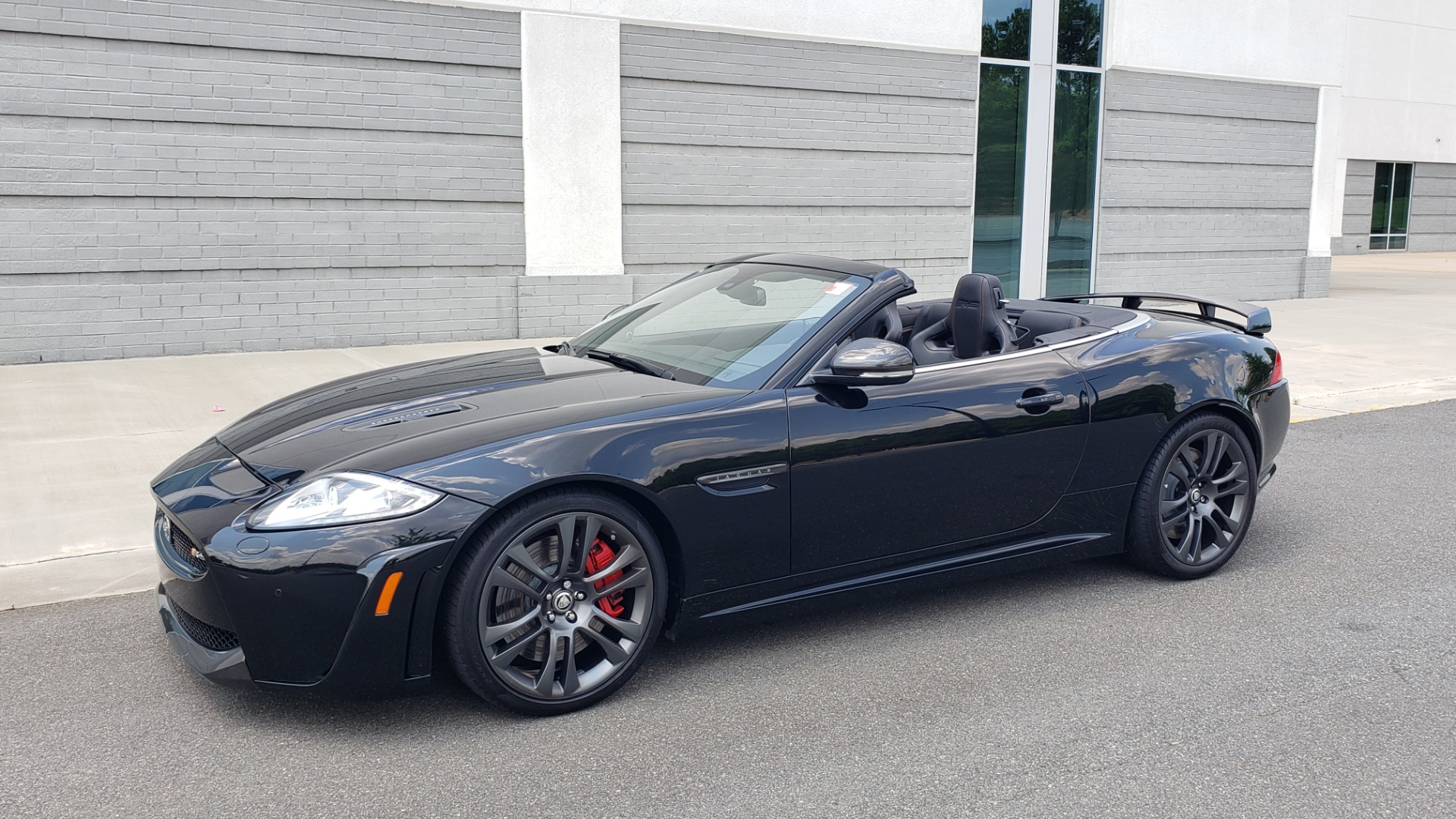 Used 2013 Jaguar XK R-S CONVERTIBLE / SC 5.0L V8 (550HP) / ZF 6-SPD AUTO / NAV / REARVIEW for sale $74,995 at Formula Imports in Charlotte NC 28227 2