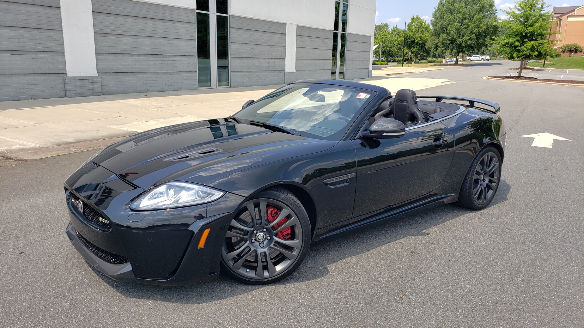Used 2013 Jaguar XK R-S CONVERTIBLE / SC 5.0L V8 (550HP) / ZF 6-SPD AUTO / NAV / REARVIEW for sale $74,995 at Formula Imports in Charlotte NC 28227 3