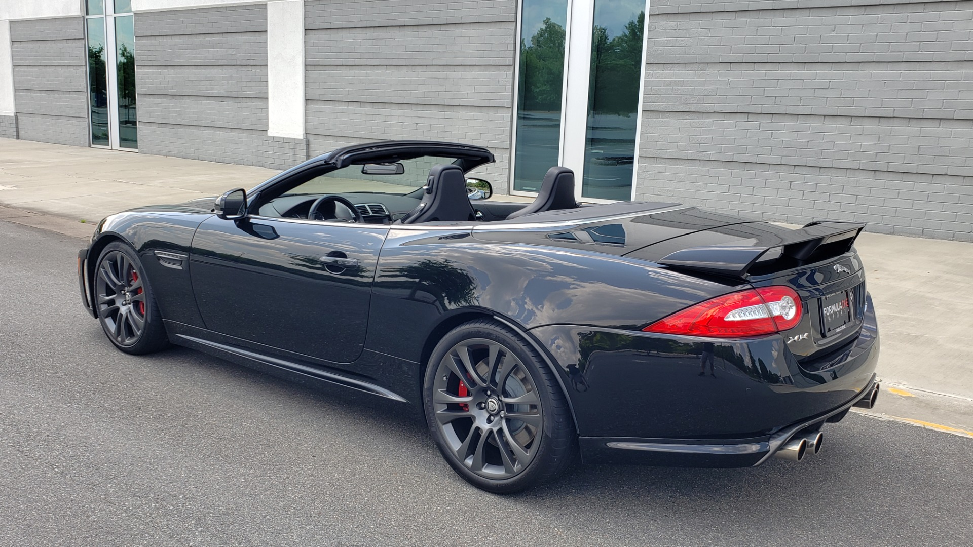 Used 2013 Jaguar XK R-S CONVERTIBLE / SC 5.0L V8 (550HP) / ZF 6-SPD AUTO / NAV / REARVIEW for sale $74,995 at Formula Imports in Charlotte NC 28227 5