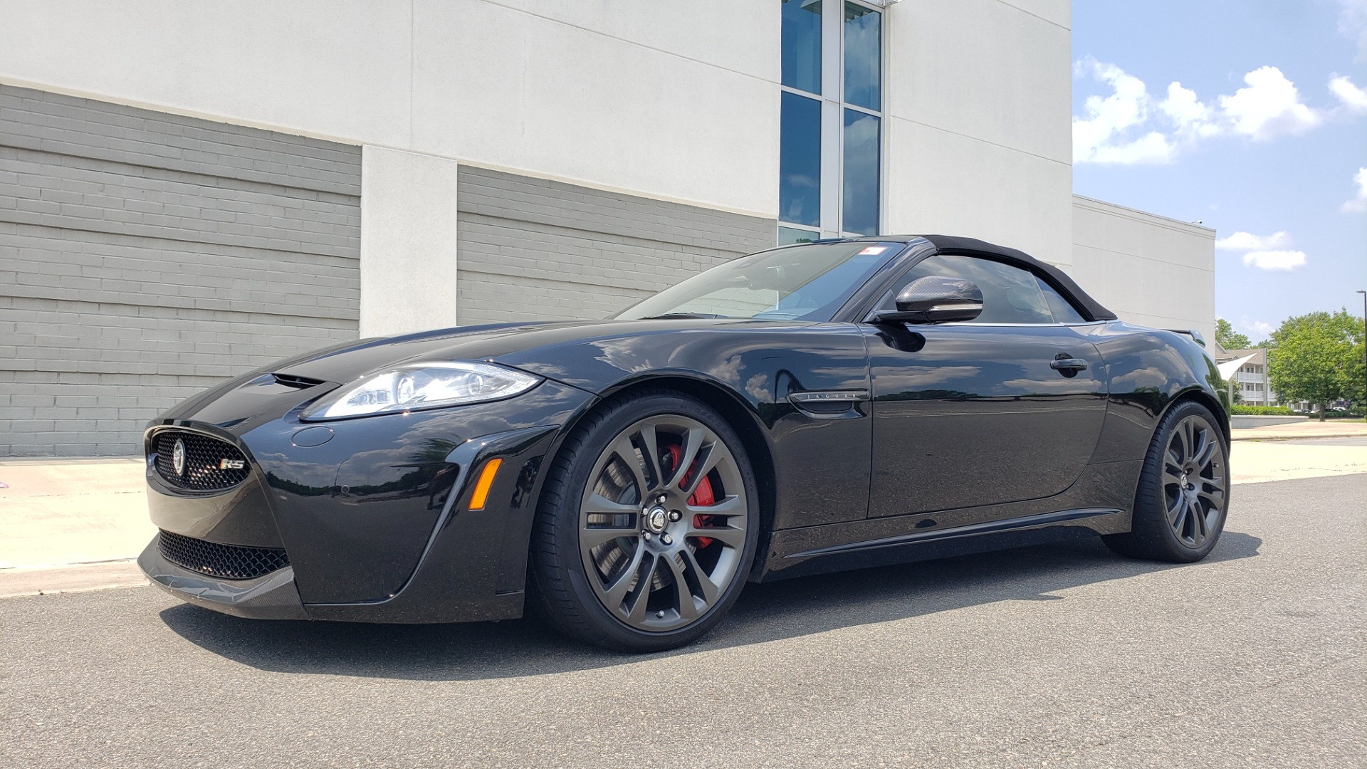 Used 2013 Jaguar XK R-S CONVERTIBLE / SC 5.0L V8 (550HP) / ZF 6-SPD AUTO / NAV / REARVIEW for sale $74,995 at Formula Imports in Charlotte NC 28227 6