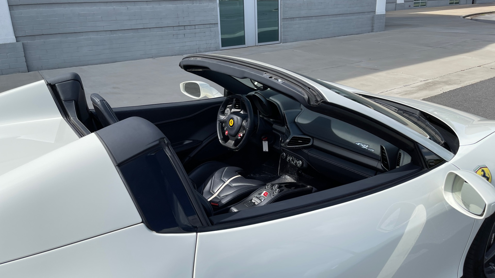 Used 2014 Ferrari 458 ITALIA SPIDER 570HP / F1 AUTO / CF SEATS / CARBON BRAKES / REARVIEW for sale $249,999 at Formula Imports in Charlotte NC 28227 12