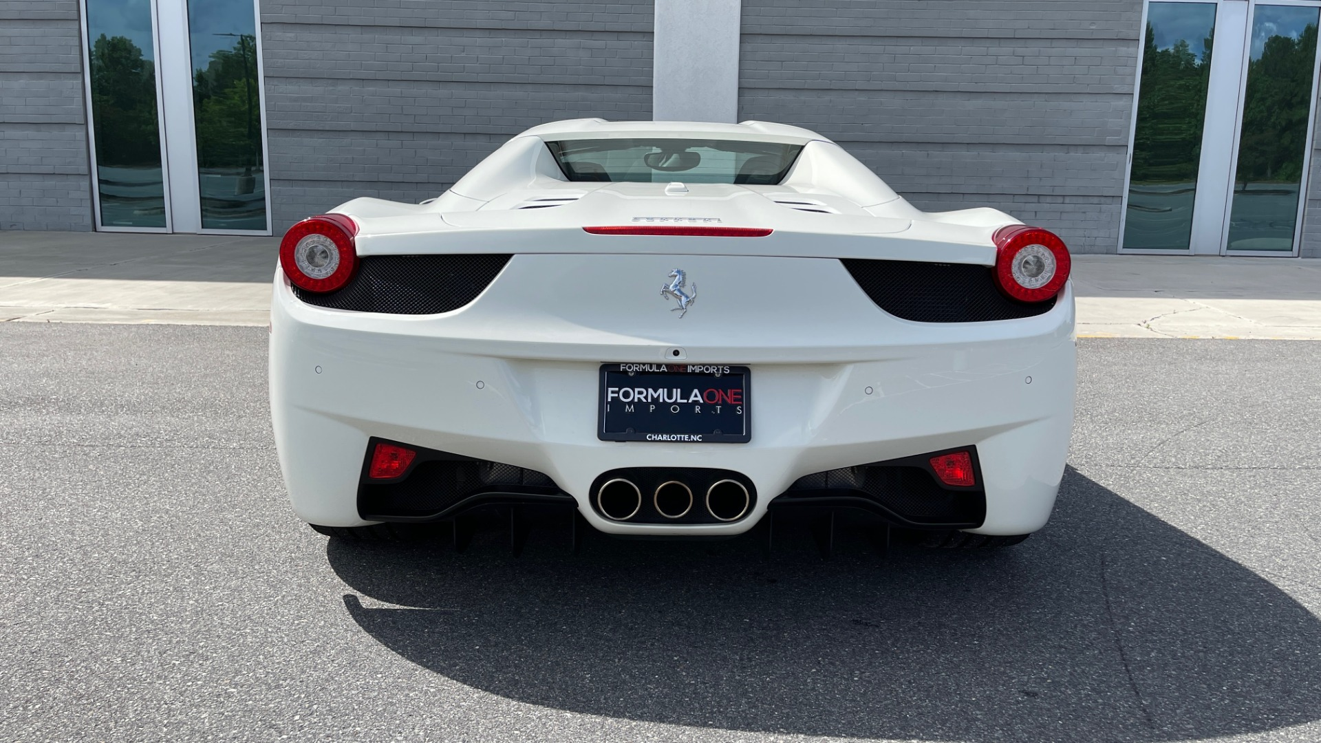 Used 2014 Ferrari 458 ITALIA SPIDER 570HP / F1 AUTO / CF SEATS / CARBON BRAKES / REARVIEW for sale $249,999 at Formula Imports in Charlotte NC 28227 29