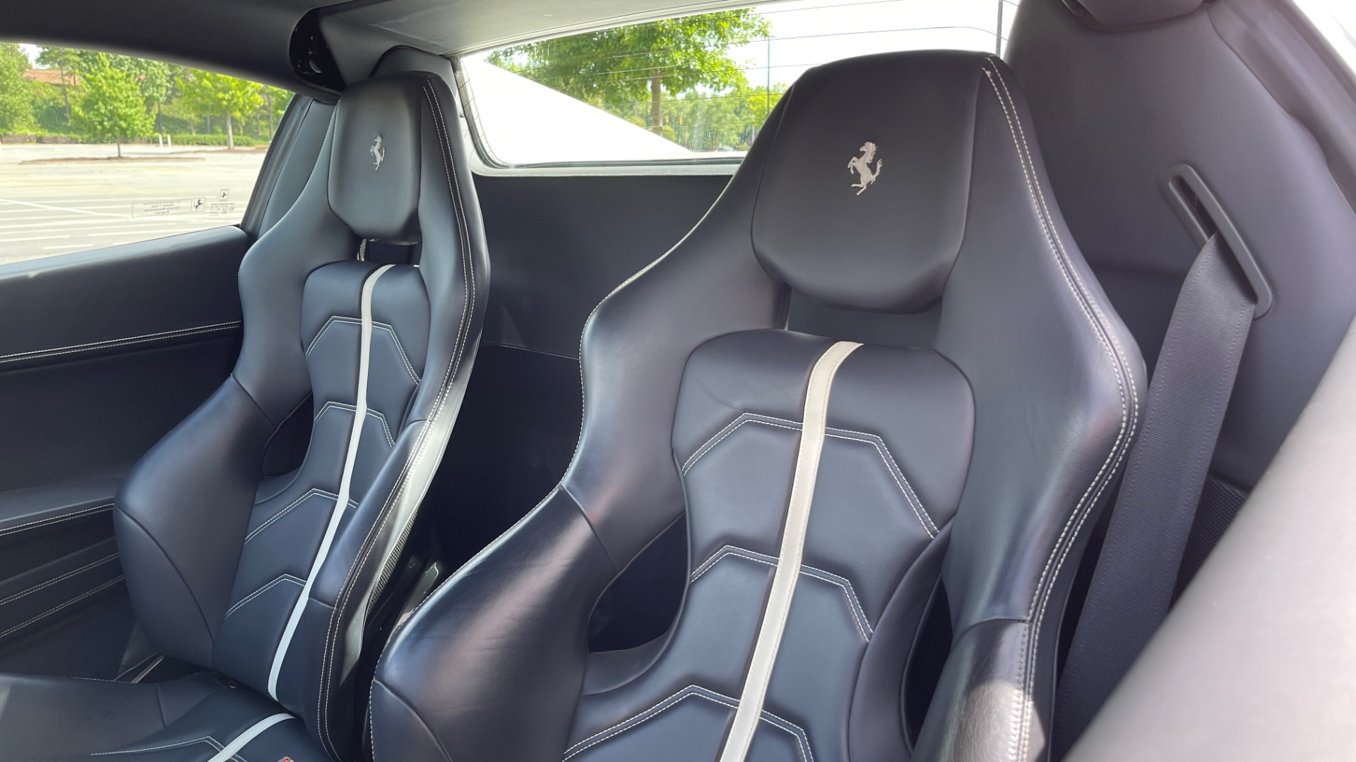 Used 2014 Ferrari 458 ITALIA SPIDER 570HP / F1 AUTO / CF SEATS / CARBON BRAKES / REARVIEW for sale $249,999 at Formula Imports in Charlotte NC 28227 43