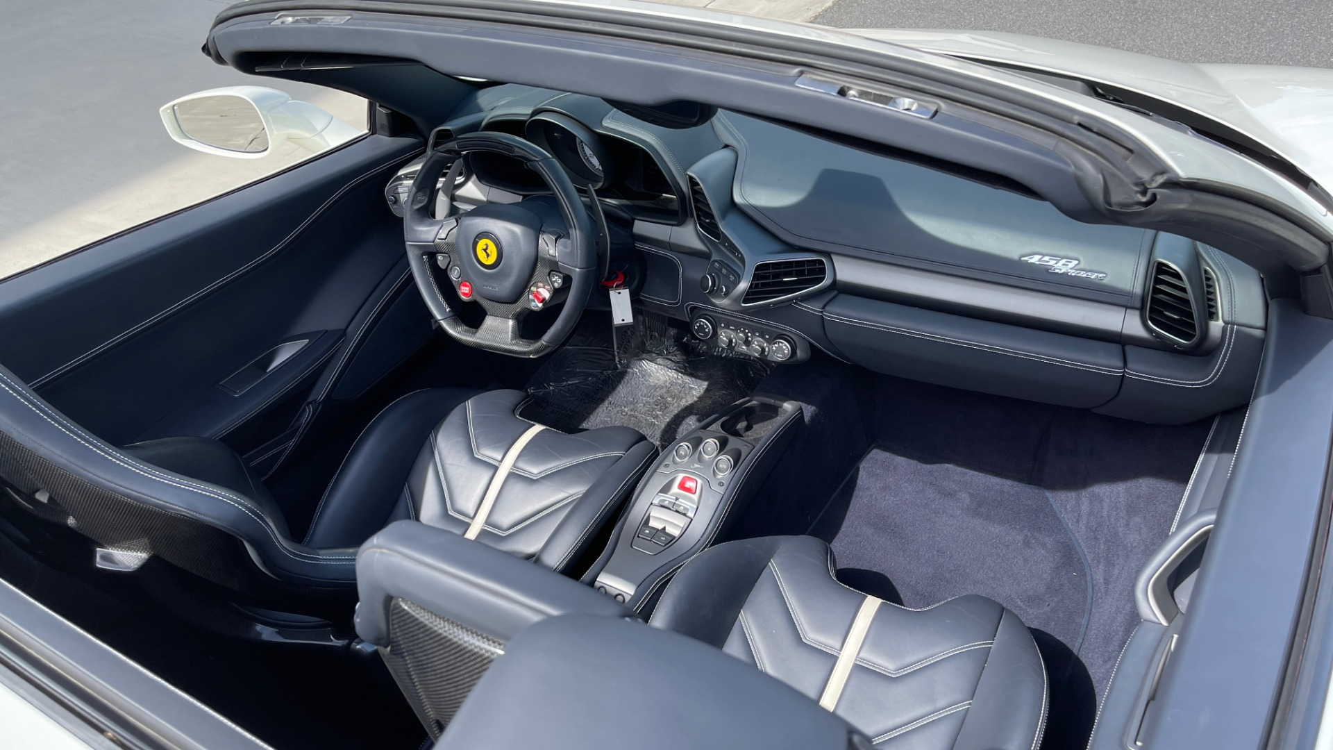 Used 2014 Ferrari 458 ITALIA SPIDER 570HP / F1 AUTO / CF SEATS / CARBON BRAKES / REARVIEW for sale $249,999 at Formula Imports in Charlotte NC 28227 46