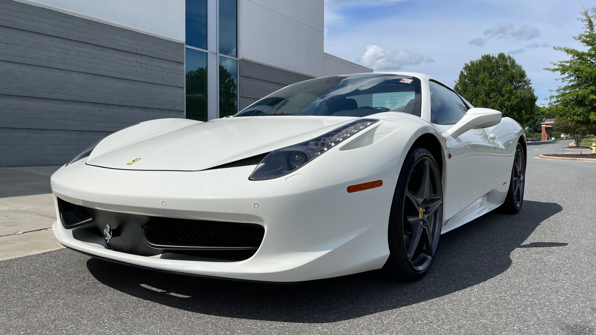 Used 2014 Ferrari 458 ITALIA SPIDER 570HP / F1 AUTO / CF SEATS / CARBON BRAKES / REARVIEW for sale $249,999 at Formula Imports in Charlotte NC 28227 5