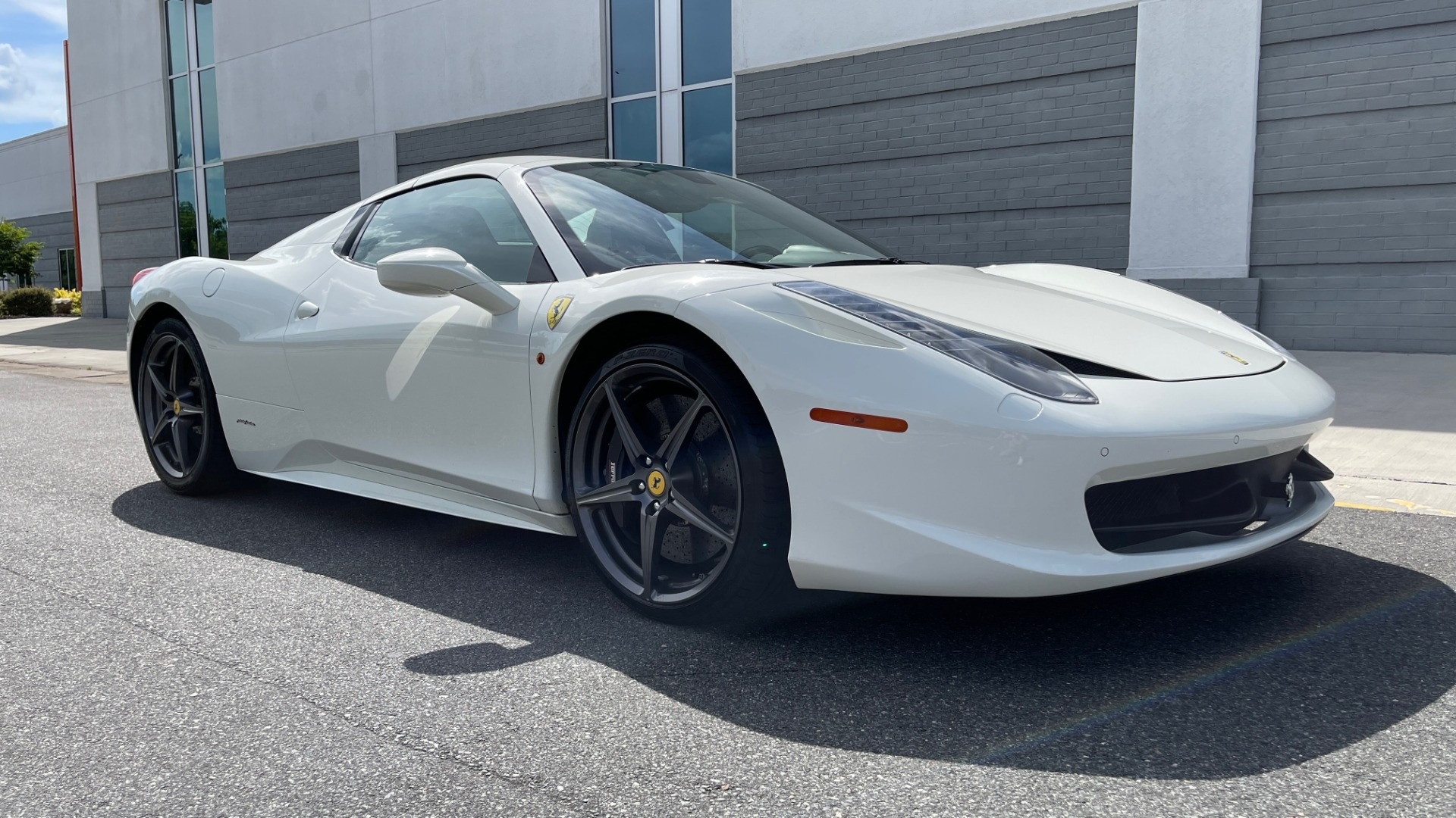 Used 2014 Ferrari 458 ITALIA SPIDER 570HP / F1 AUTO / CF SEATS / CARBON BRAKES / REARVIEW for sale $249,999 at Formula Imports in Charlotte NC 28227 7