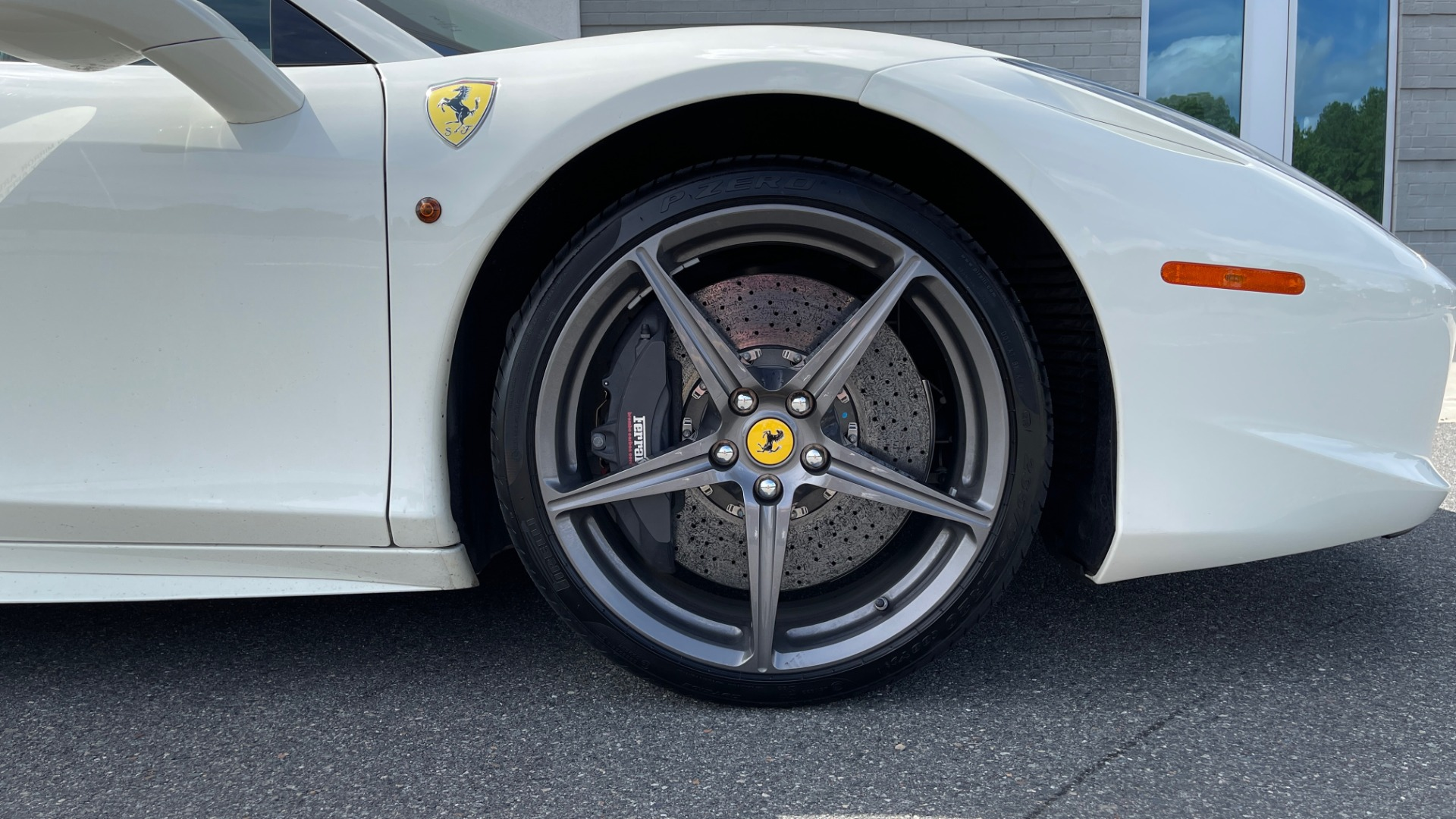 Used 2014 Ferrari 458 ITALIA SPIDER 570HP / F1 AUTO / CF SEATS / CARBON BRAKES / REARVIEW for sale $249,999 at Formula Imports in Charlotte NC 28227 77