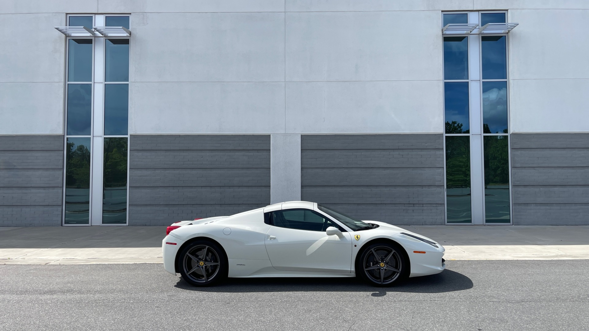 Used 2014 Ferrari 458 ITALIA SPIDER 570HP / F1 AUTO / CF SEATS / CARBON BRAKES / REARVIEW for sale $249,999 at Formula Imports in Charlotte NC 28227 8