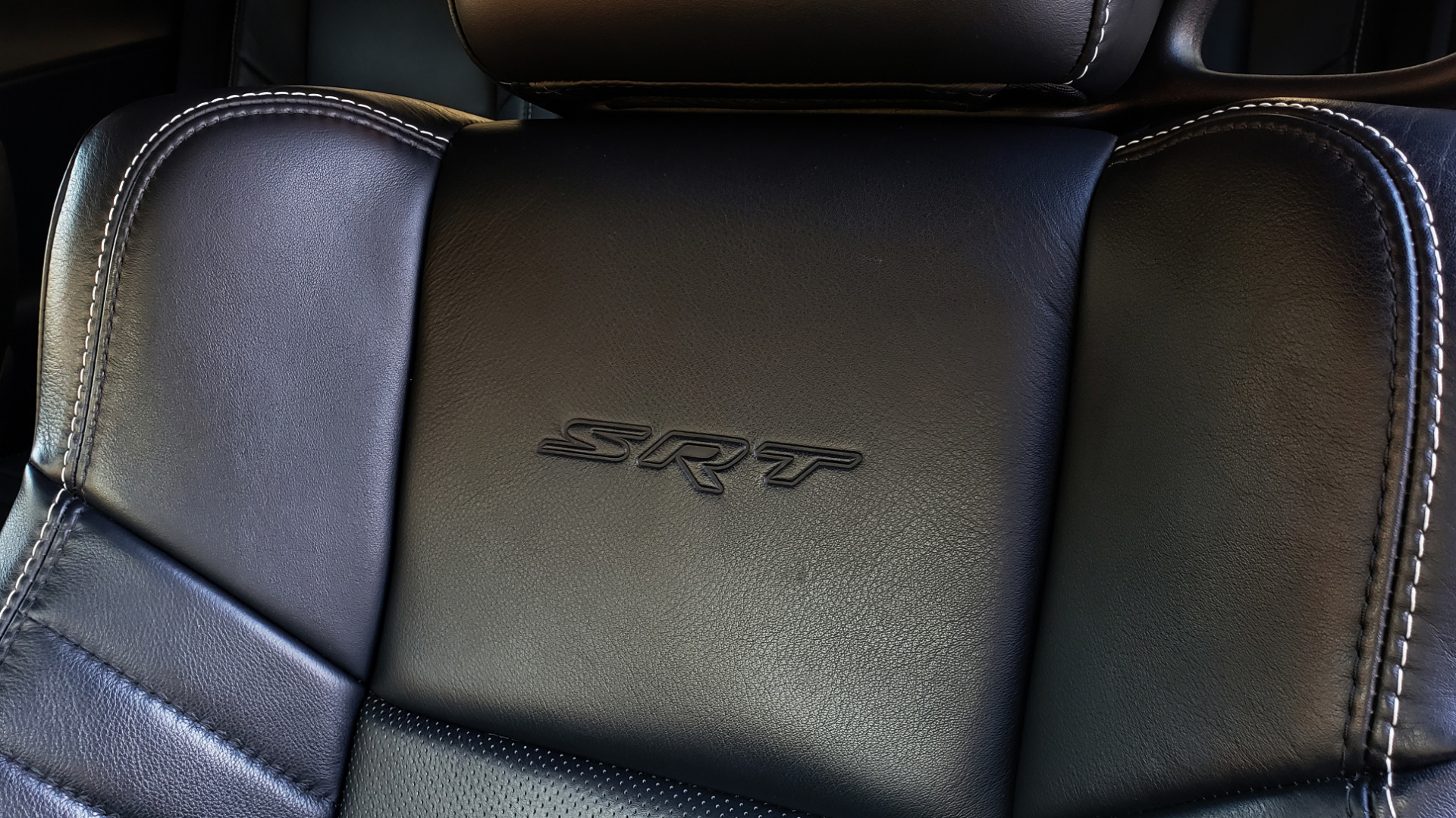 Used 2016 Dodge CHALLENGER SRT HELLCAT COUPE / 6-SPD MAN / NAV / SRT APPS / REARVIEW for sale Sold at Formula Imports in Charlotte NC 28227 46