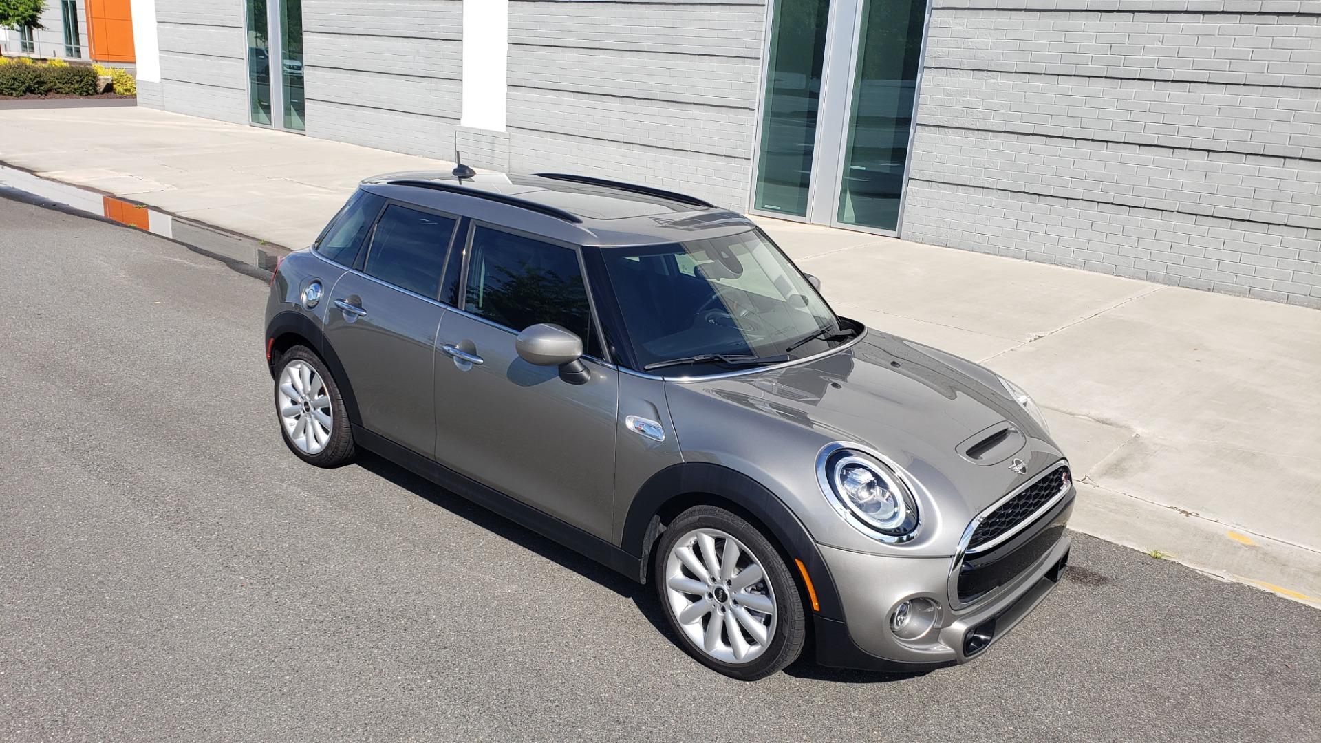Used 2020 MINI HARDTOP 4 DOOR COOPER S / NAV / SUNROOF / AUTO / H/K SND / REARVIEW for sale $28,495 at Formula Imports in Charlotte NC 28227 10
