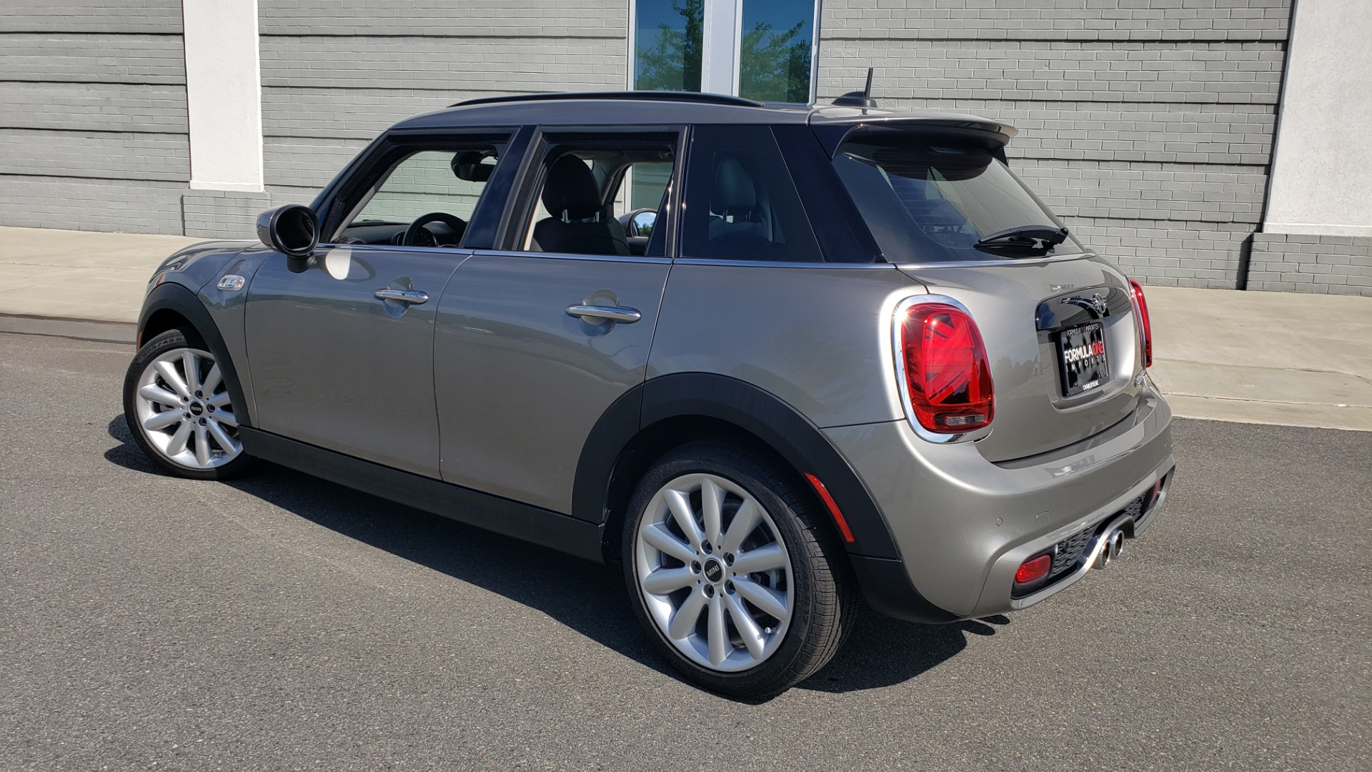 Used 2020 MINI HARDTOP 4 DOOR COOPER S / NAV / SUNROOF / AUTO / H/K SND / REARVIEW for sale $28,495 at Formula Imports in Charlotte NC 28227 11